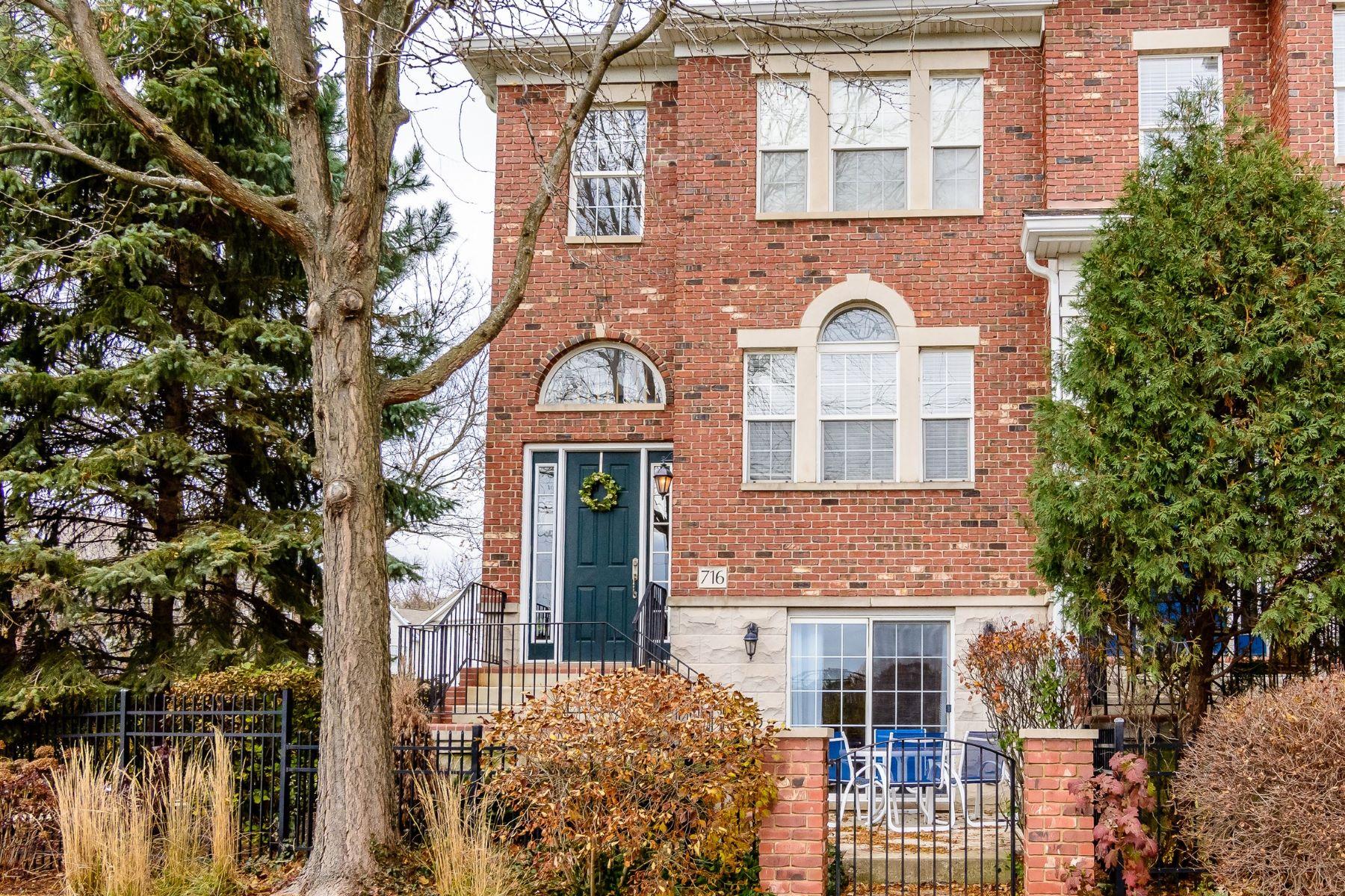 Single Family Home for Sale at 716 Prescott Naperville, Illinois, 60563 United States