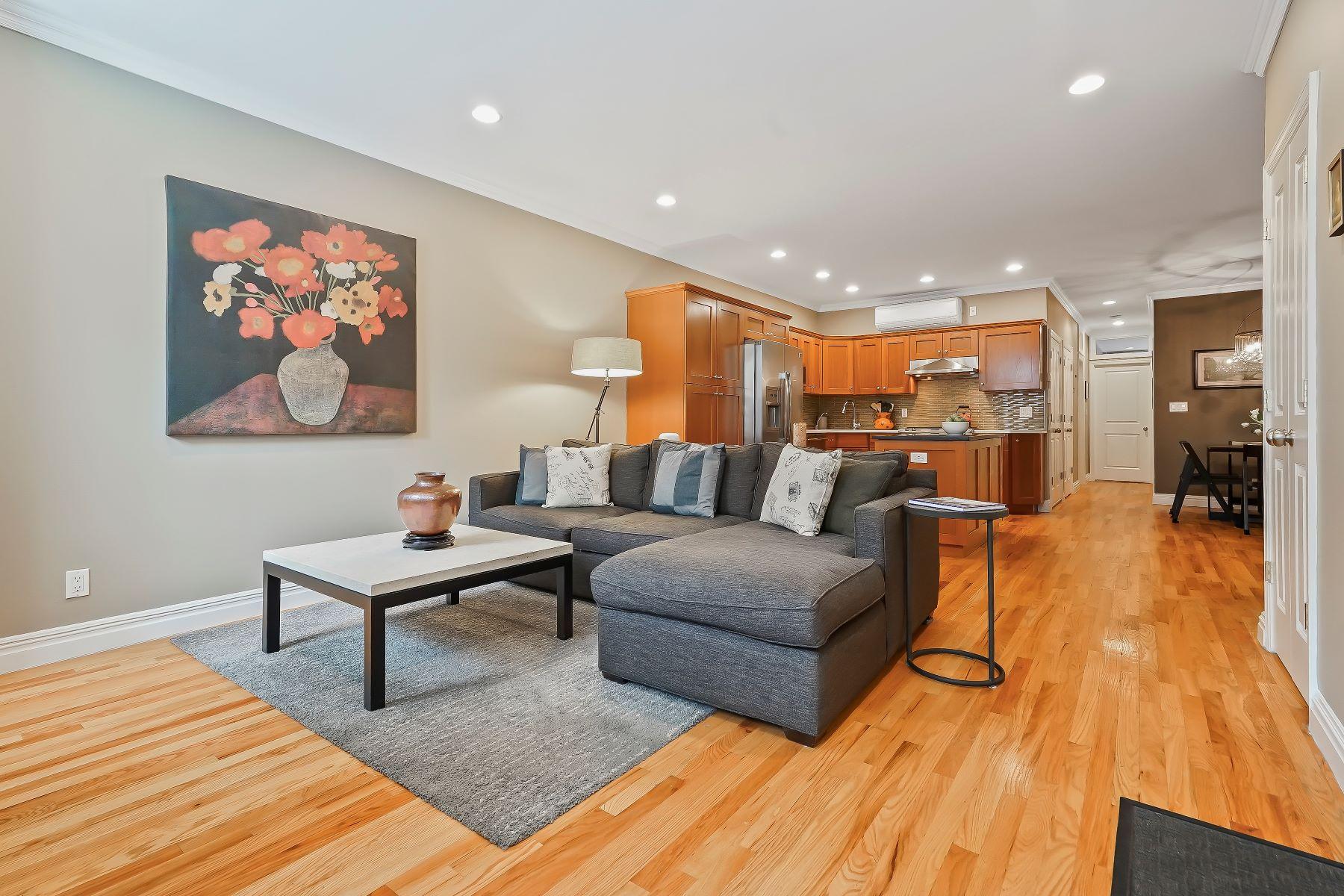 Condominiums por un Venta en 691 Sackett Street #1 Brooklyn, Nueva York 11215 Estados Unidos