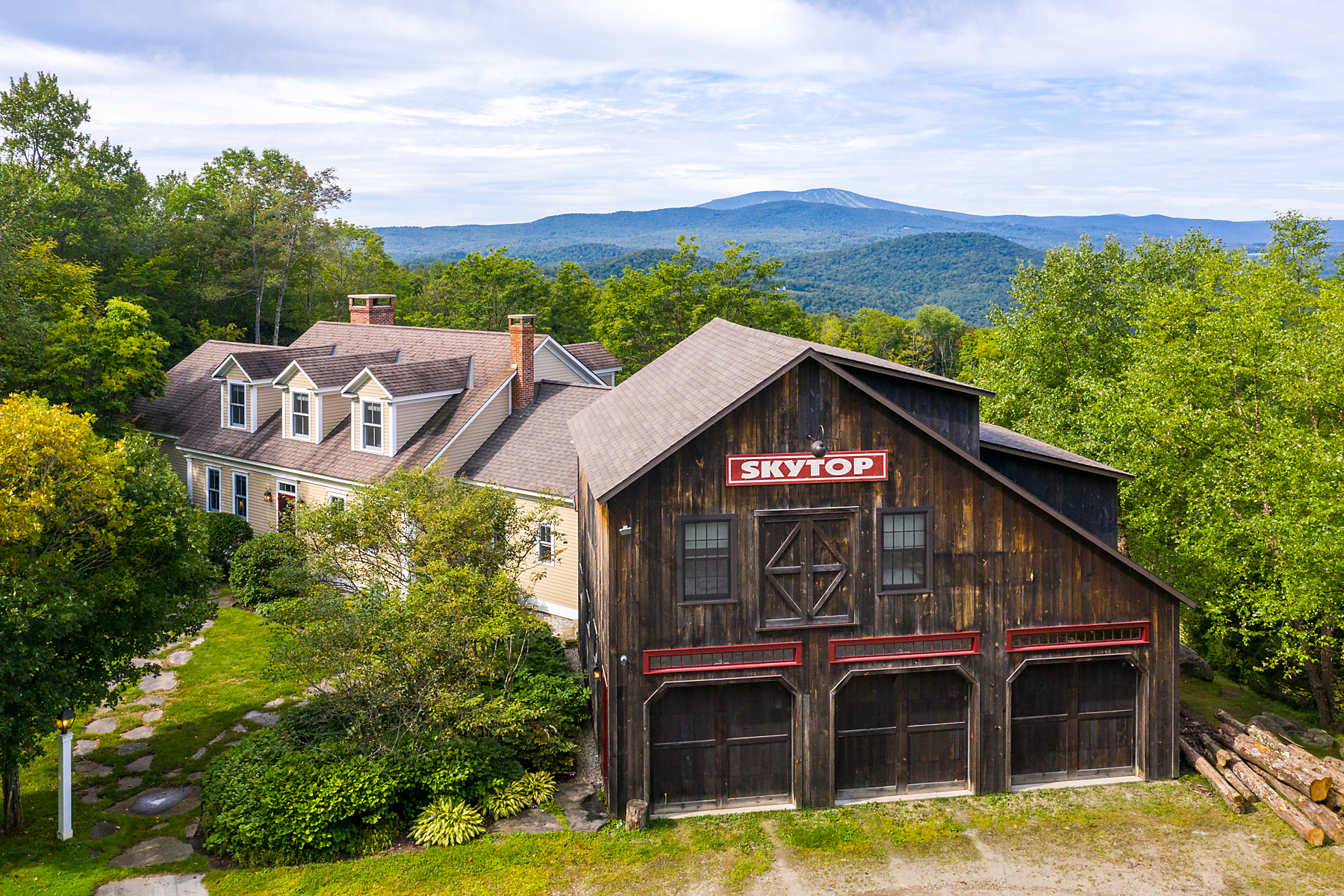 Single Family Homes for Sale at 322 Moonlight Lane, Londonderry 322 Moonlight Ln Londonderry, Vermont 05155 United States