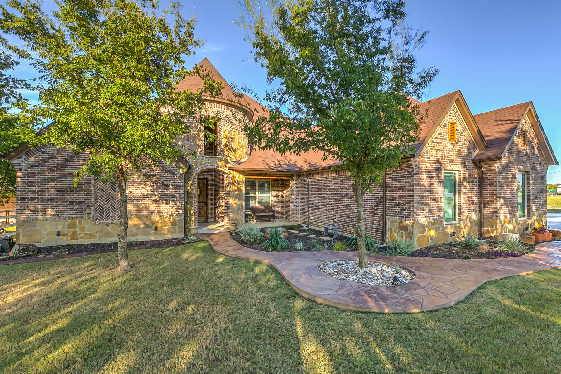 Single Family Home for Sale at Experience the Art of Luxury Living at 935 Heritage Creek Drive 935 Heritage Creek Drive Rhome, Texas 76078 United States