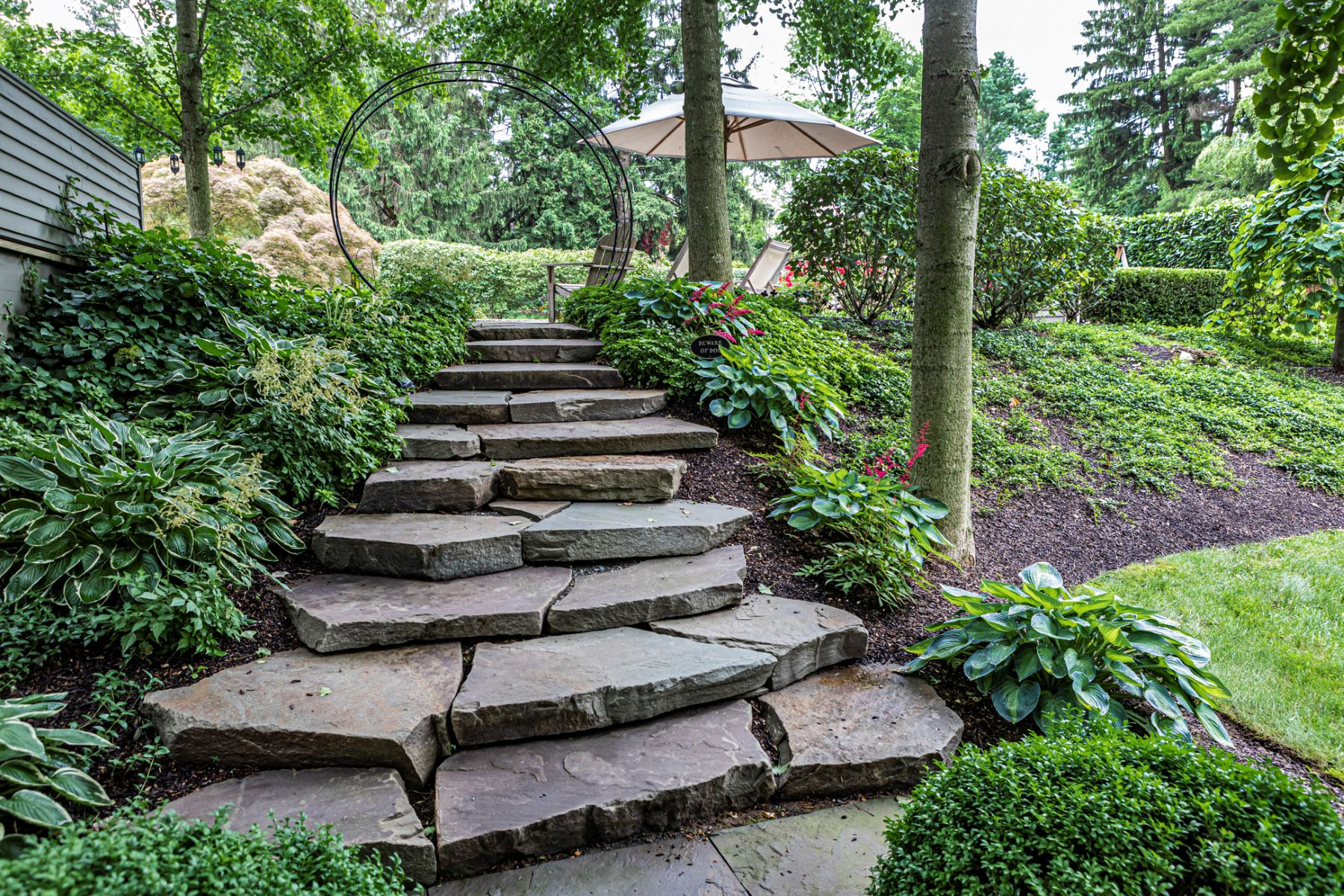Additional photo for property listing at Dazzling the Eye, Delighting the Imagination 22 Heather Lane, Princeton, New Jersey 08540 United States