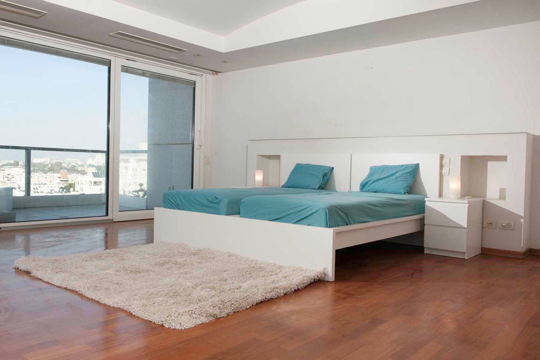 Additional photo for property listing at Exceptional Luxury Apartment in Akirov Tower Tel Aviv, Israel Israel