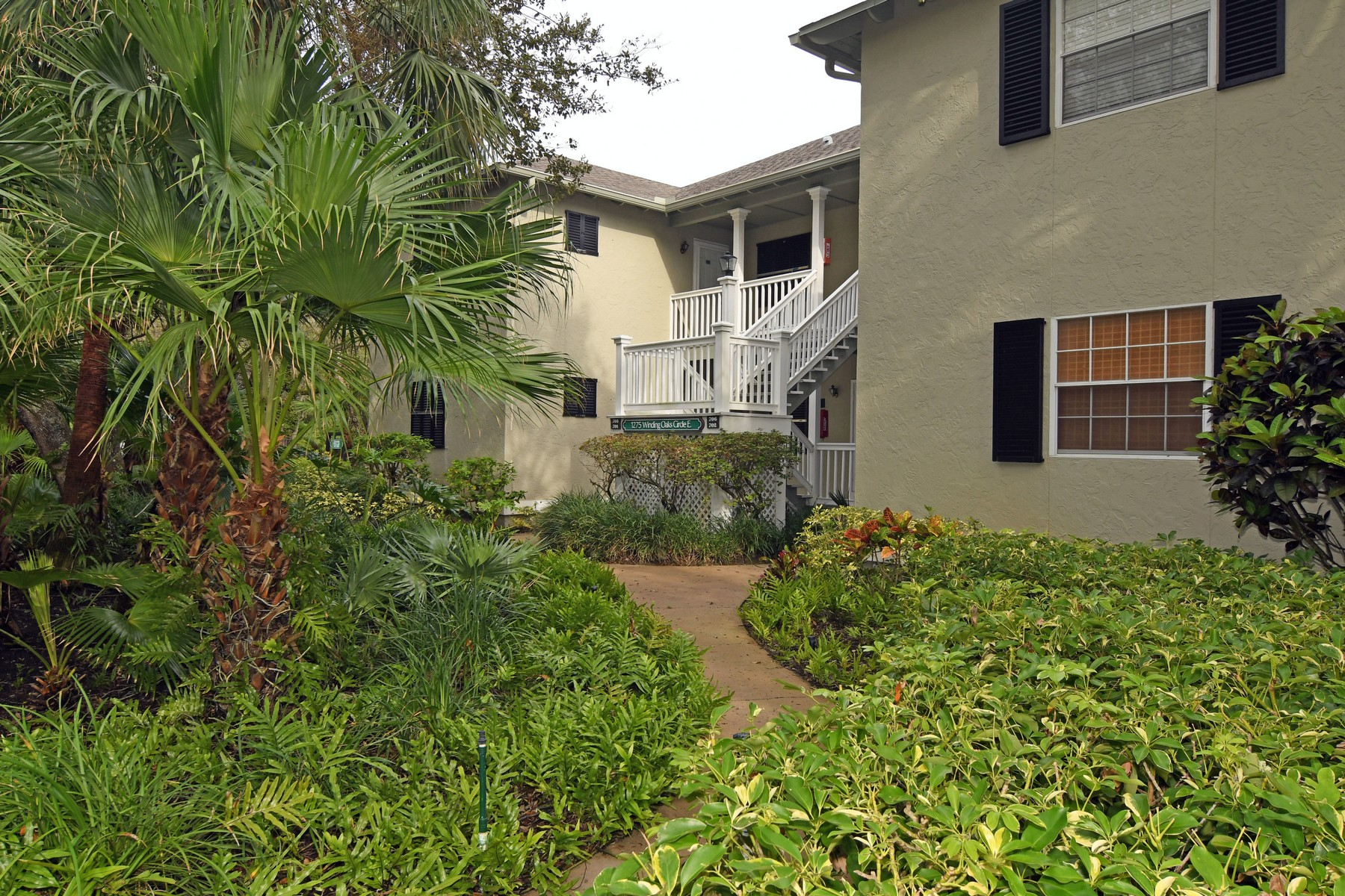 Condominium for Sale at Sea Oaks Tennis Villa 1275 Winding Oaks Circle E #701, Vero Beach, Florida, 32963 United States