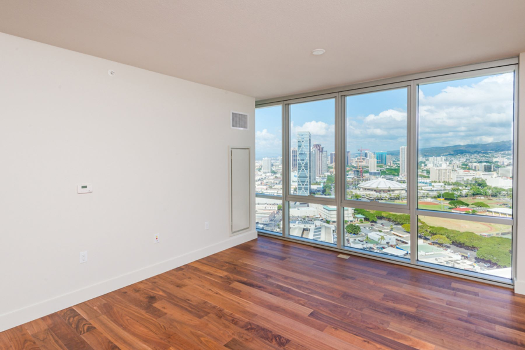Additional photo for property listing at Mountain Views Above Kakaako 1189 Waimanu Street #2907 Honolulu, Hawaii 96814 United States