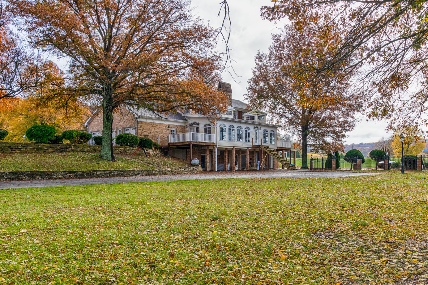 Additional photo for property listing at Wild Plum Valley 2919 Wild Plum Valley Robertsville, Missouri 63072 United States