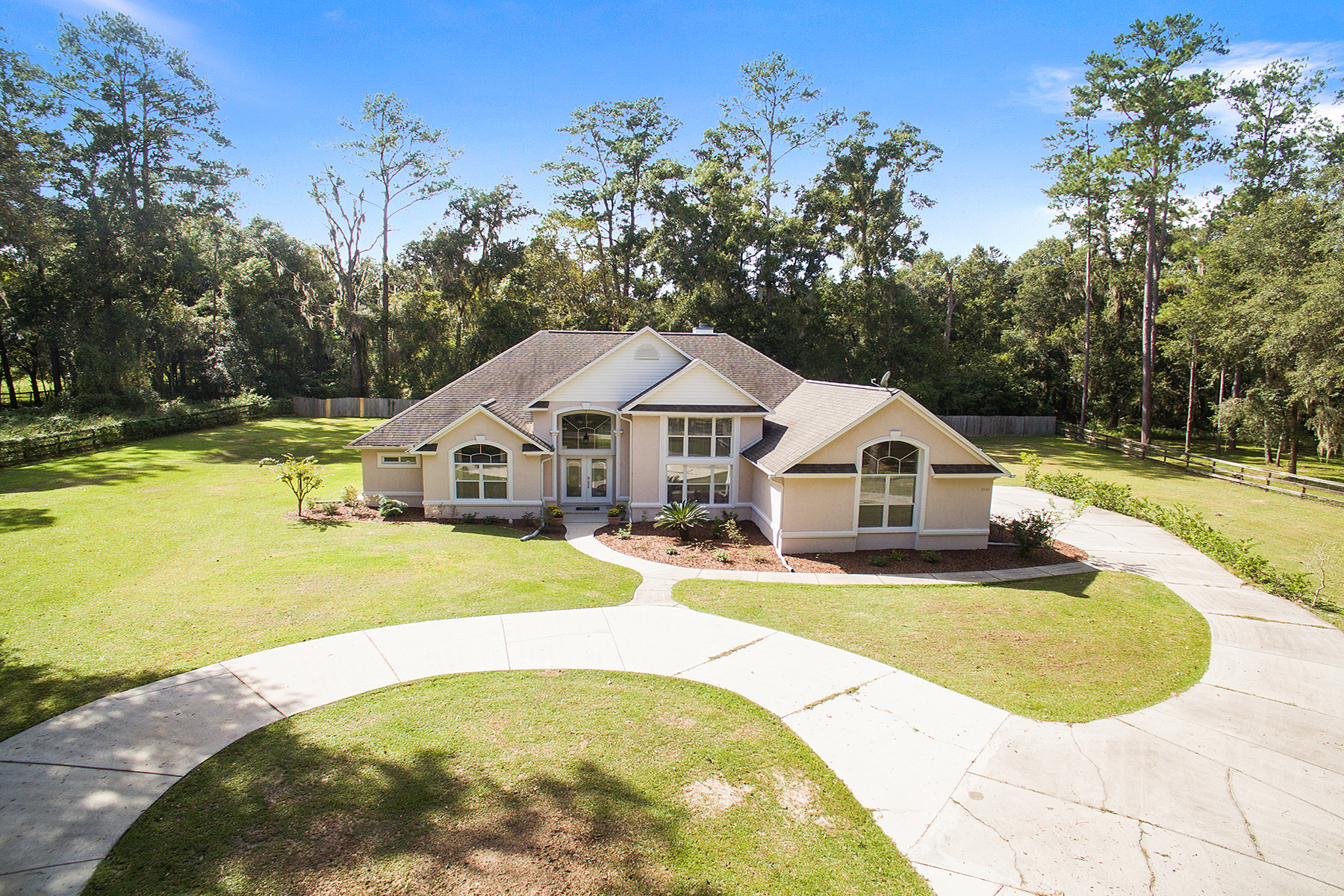 single family homes for Active at OCALA 7414 Nw 83rd Court Rd Ocala, Florida 34482 United States