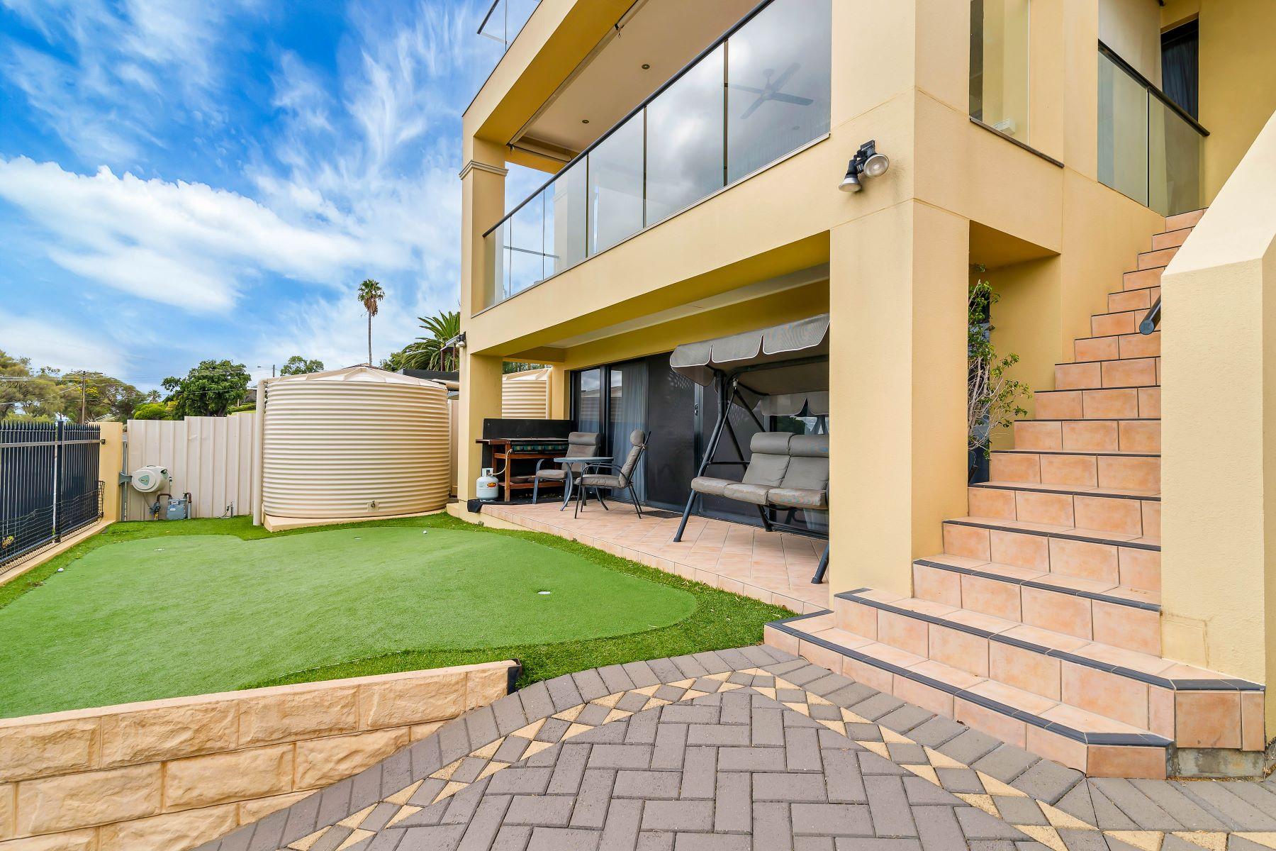 단독 가정 주택 용 매매 에 Grand Beachside Residence 34 Angus Cresent Other South Australia, South Australia, 5049 오스트레일리아