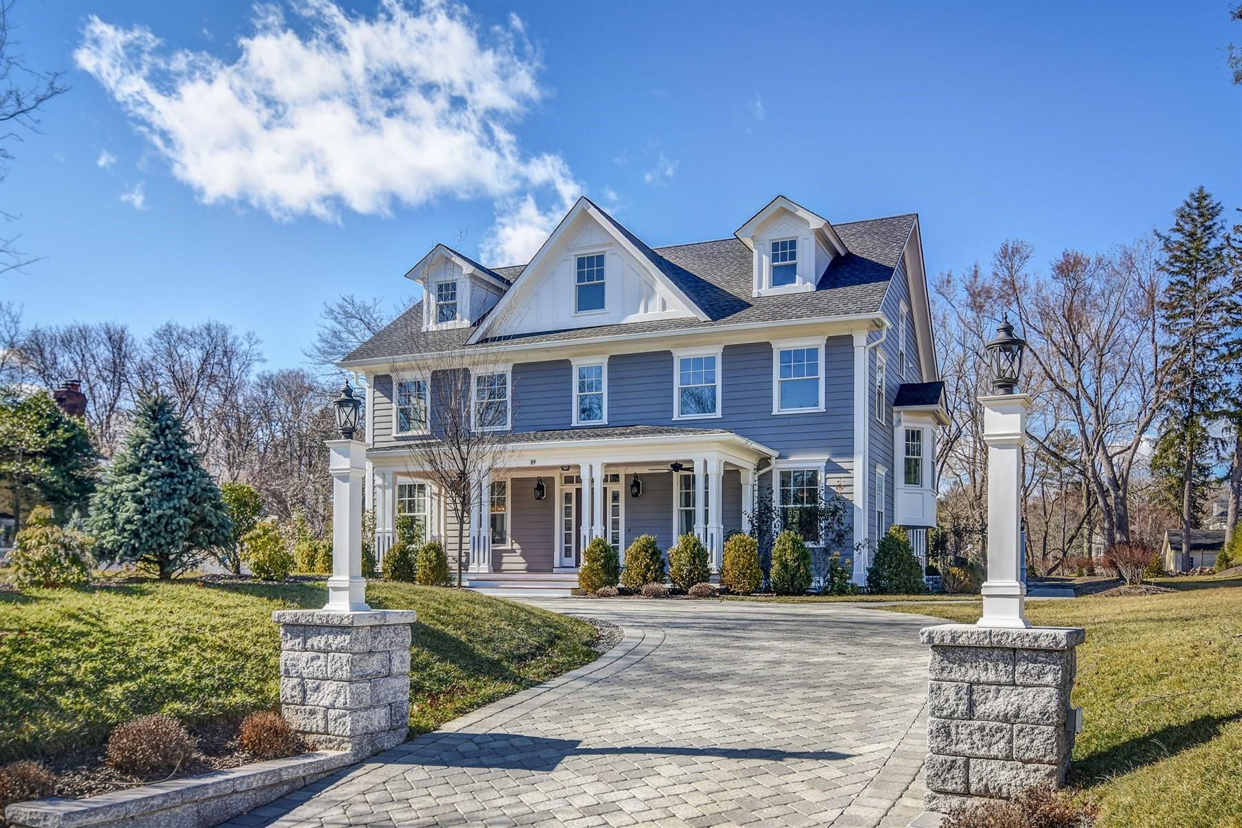 独户住宅 为 销售 在 Gracious Living on the Hill 89 Green Avenue Madison, 07940 美国