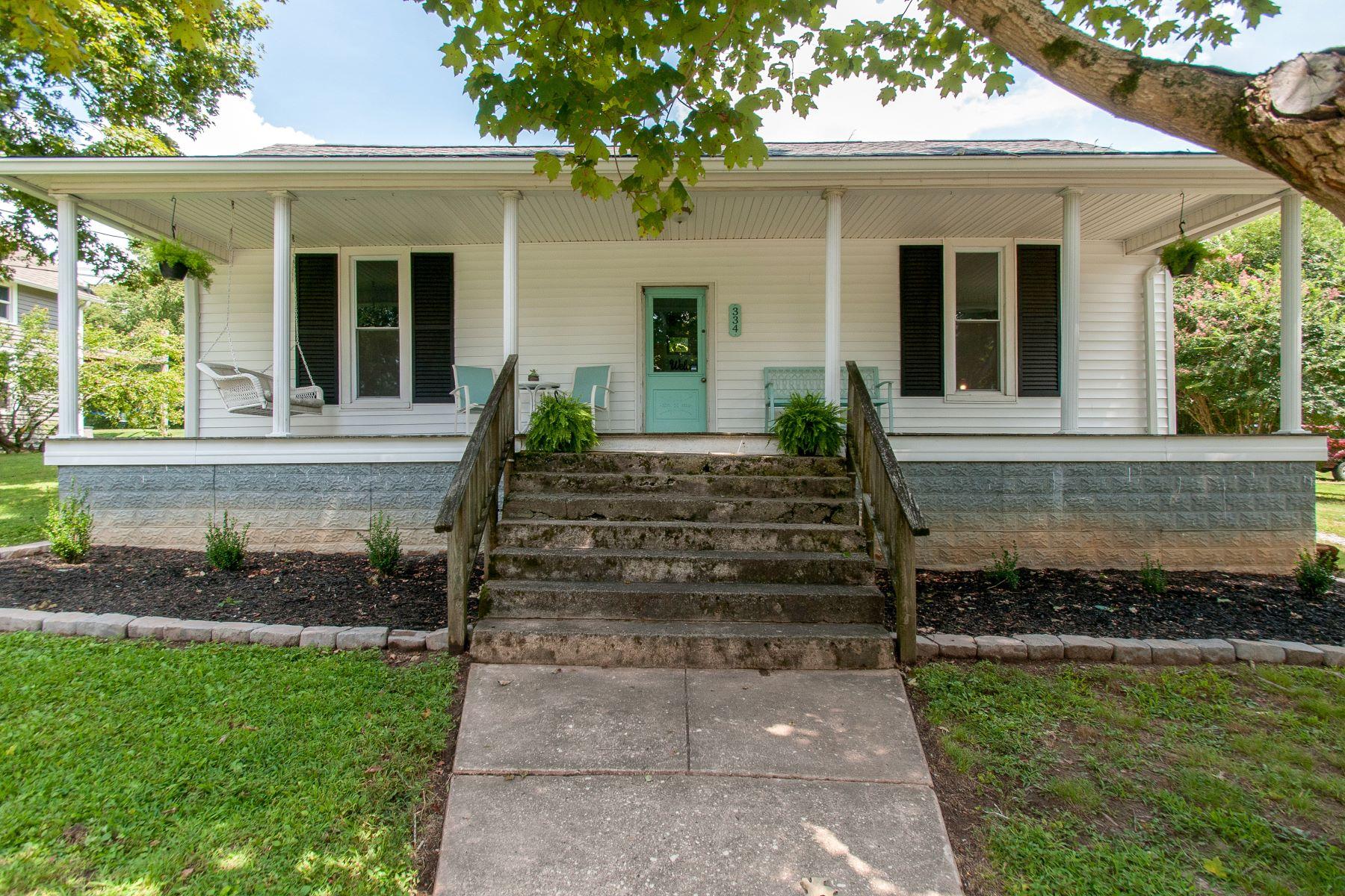 Single Family Homes vì Bán tại Downtown Kingston Springs Renovation 334 Oak Street, Kingston Springs, Tennessee 37082 Hoa Kỳ