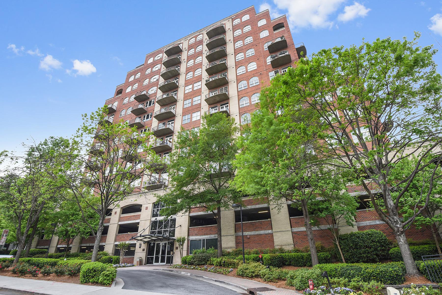 Condominio por un Venta en Stunning Loft In The Heart Of Buckhead 3180 Mathieson Drive NE Unit 605 Atlanta, Georgia, 30305 Estados Unidos
