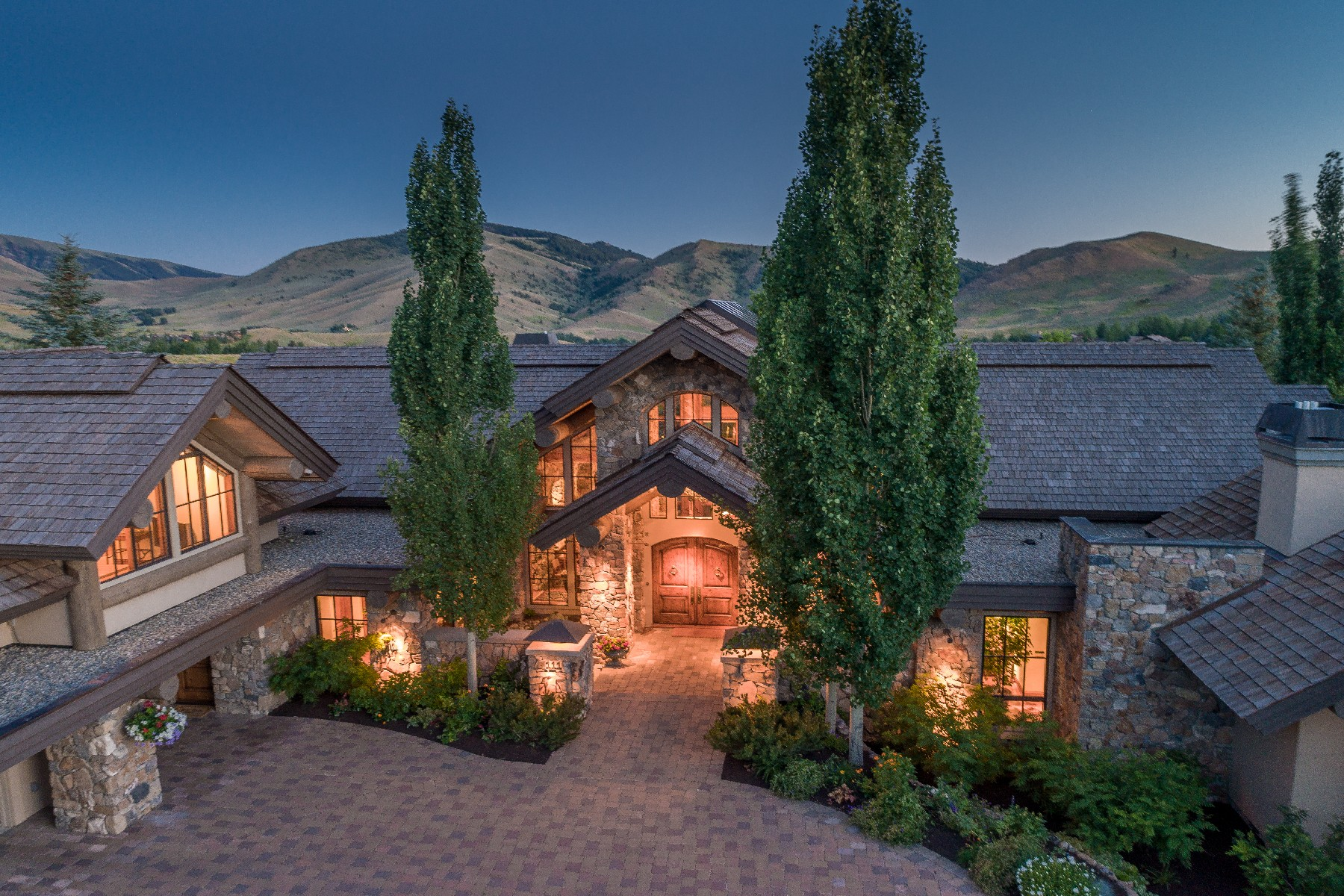 Single Family Home for Sale at Luxury Sun Valley Estate 111 Sagewillow Rd Sun Valley, Idaho 83353 United States