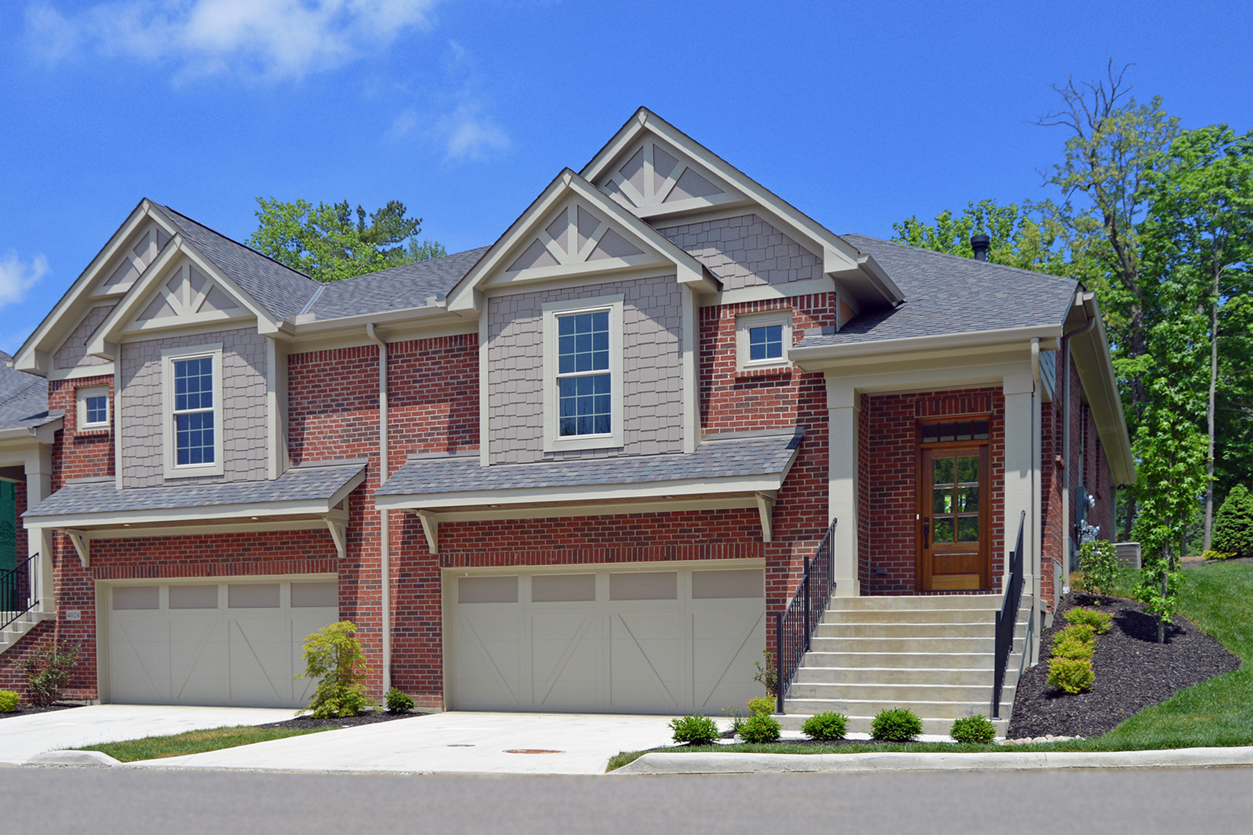 townhouses のために 売買 アット Immaculate 2600 sf / 2 years young Townhome in Blue Ash 4026 Creekside Pointe, Blue Ash, オハイオ 45236 アメリカ