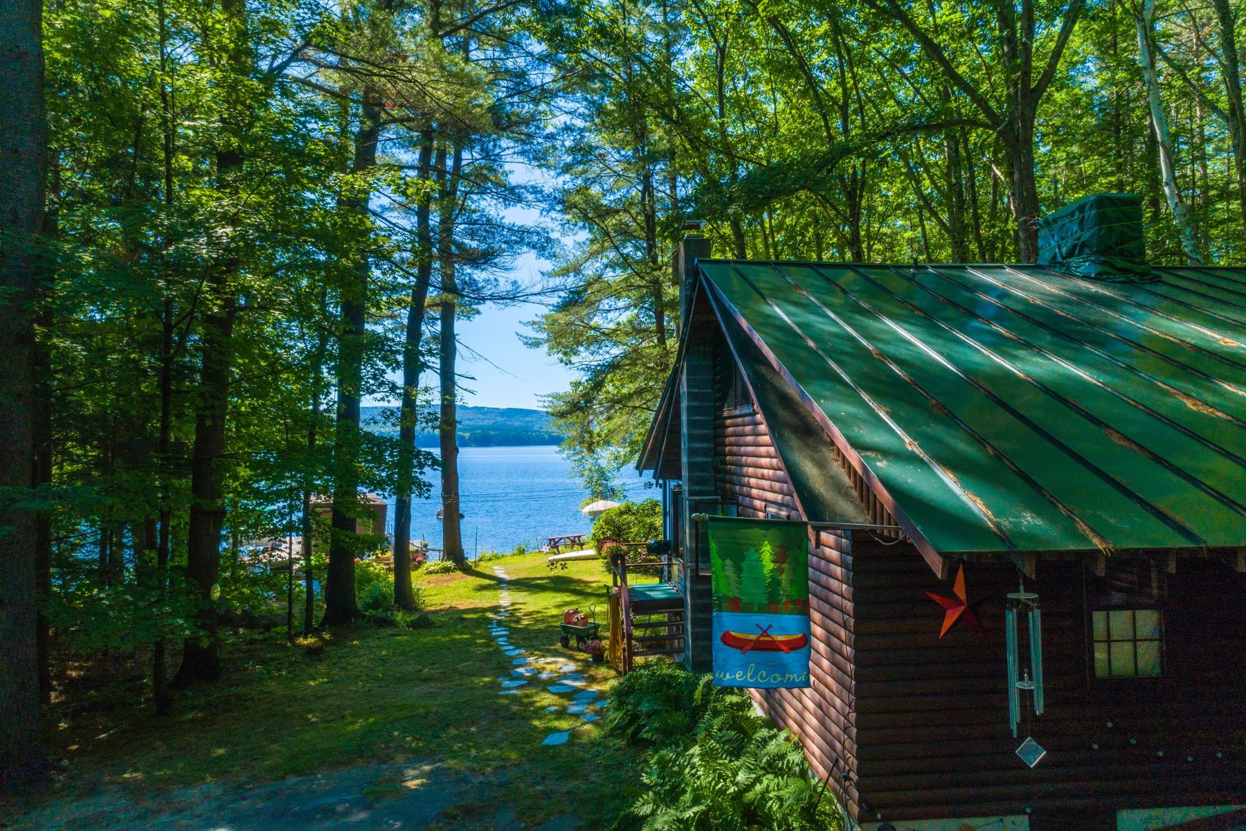 Single Family Home for Sale at Charming year-round log home on Lake Sunapee 78 Burkehaven Ln Sunapee, New Hampshire 03782 United States