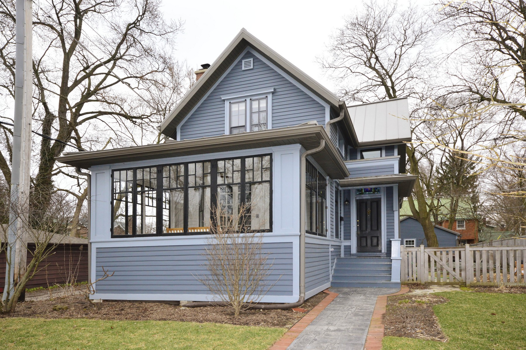 Single Family Home for Sale at Stunning Green Renovation 716 Clinton Place Evanston, Illinois 60201 United States