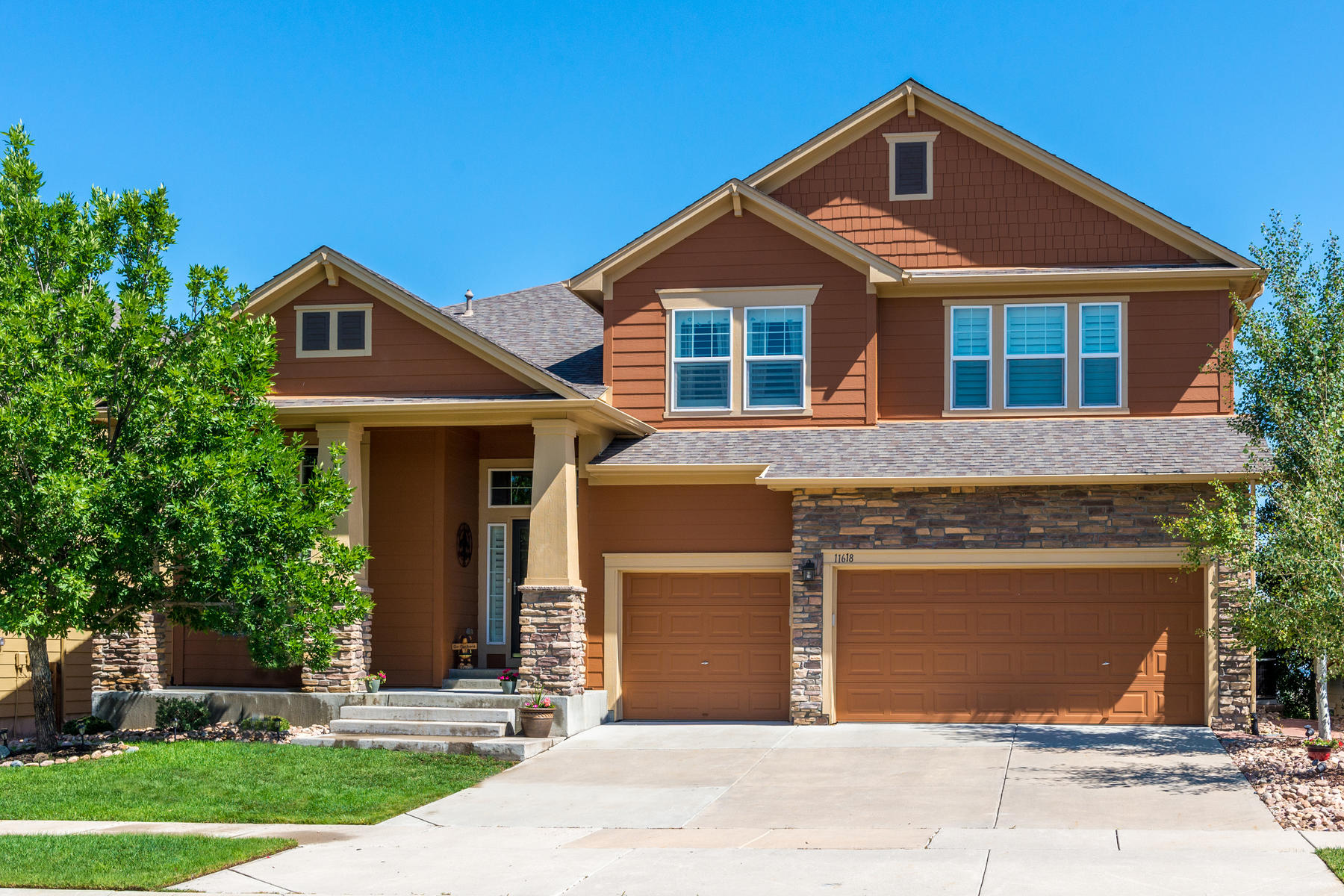 Single Family Home for Active at Magnificent family home with a spectacular setting 11618 South Breeze Grass Way Parker, Colorado 80134 United States