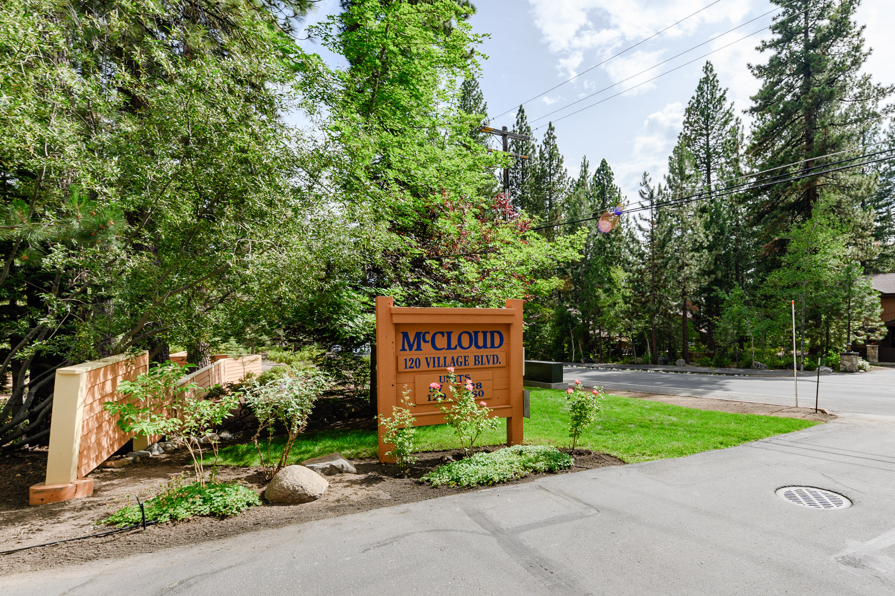 Additional photo for property listing at 120 Village Blvd. #128, Incline Village, NV 120 Village Blvd. #128 Incline Village, Nevada 89451 United States