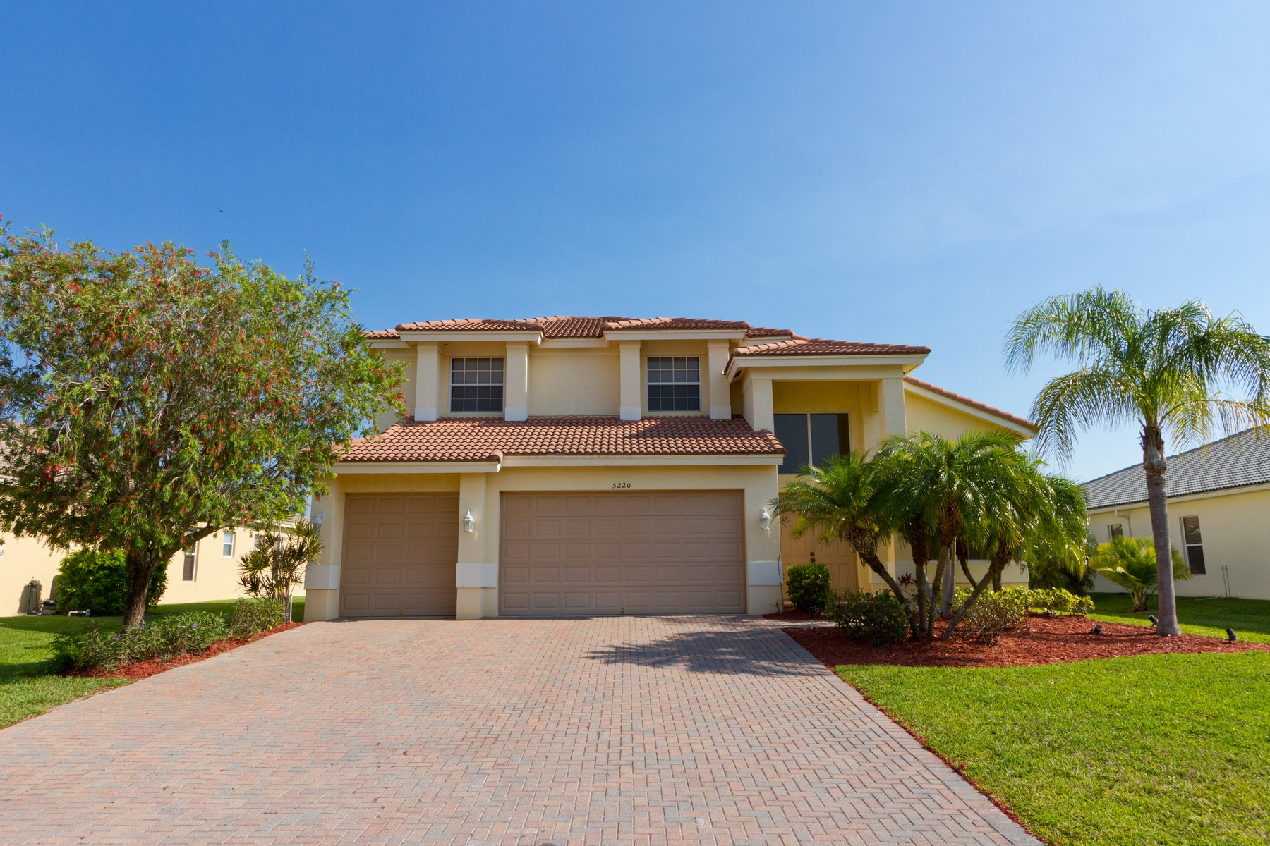Single Family Home for Sale at Inviting Lake Front Home 5220 Topaz Ln SW Vero Beach, Florida 32968 United States