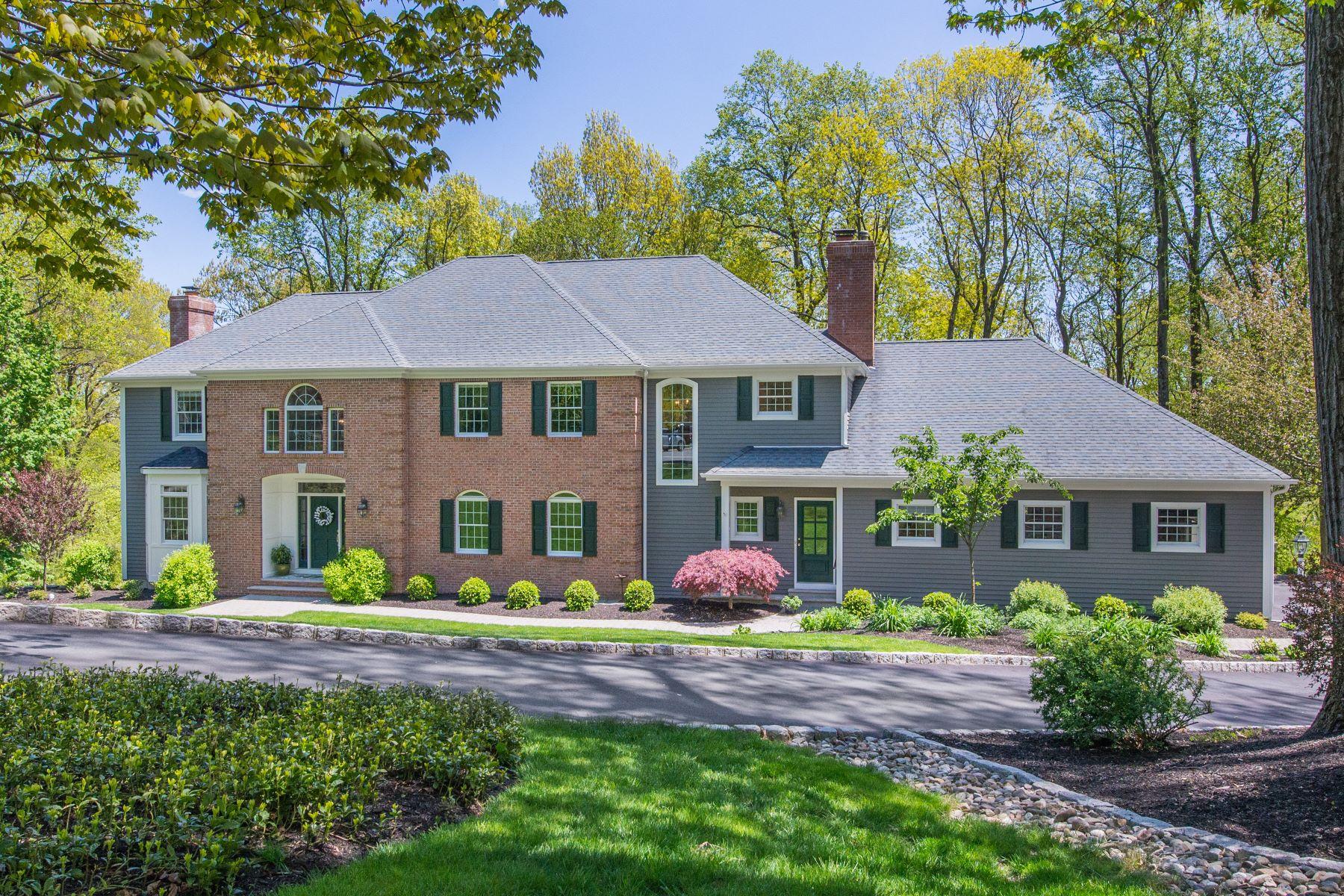 Single Family Homes pour l Vente à Gracious Colonial 10 Croydon Road, Morris Township, New Jersey 07960 États-Unis
