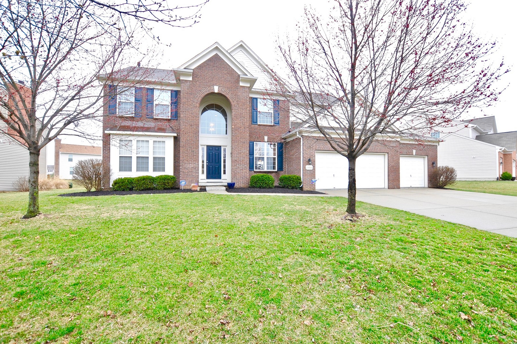 Single Family Home for Sale at Phenomenal Home! 11644 Suncatcher Drive Fishers, Indiana 46037 United States