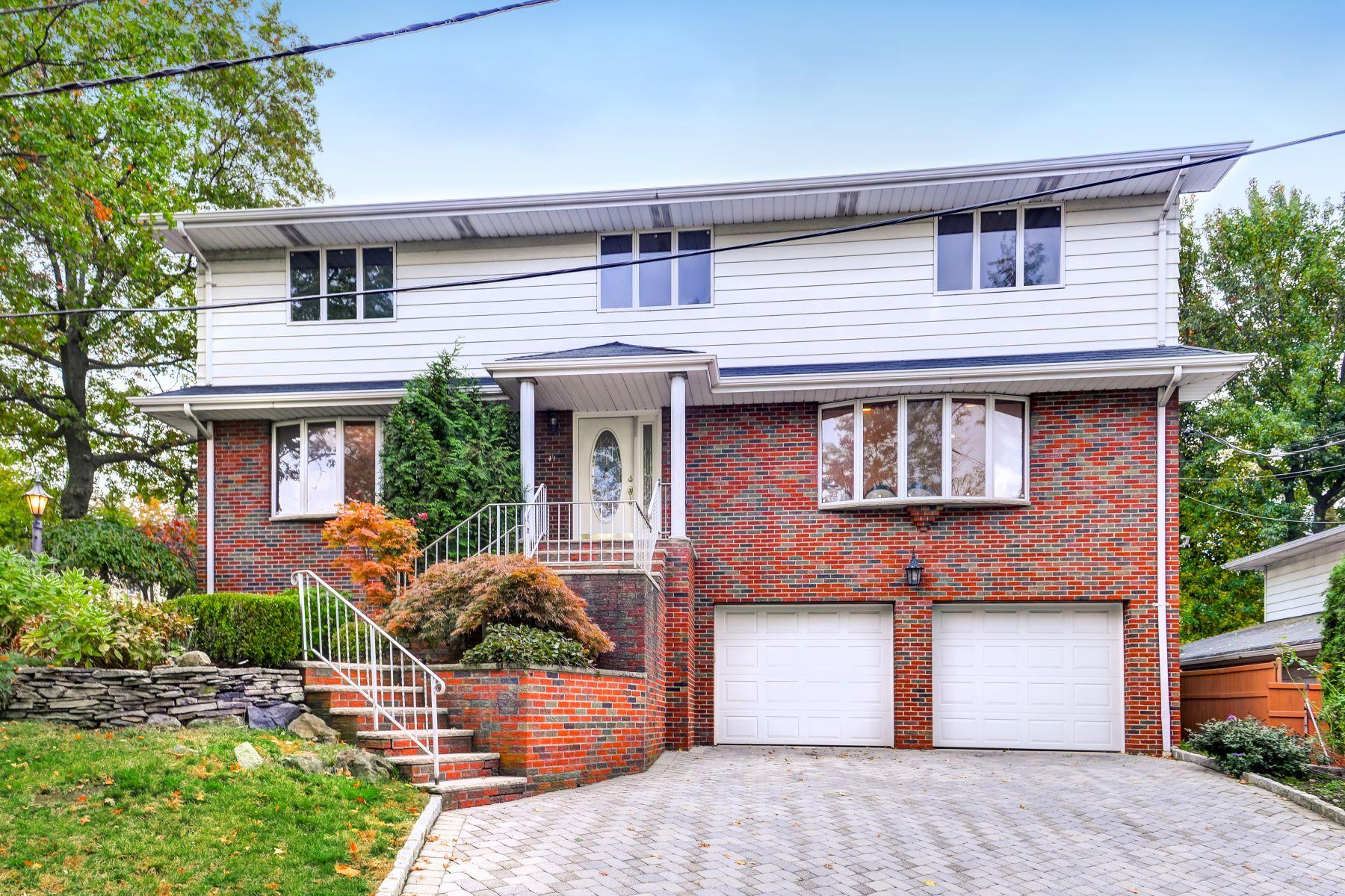 Maison unifamiliale pour l Vente à Lovely Colonial 41 Ash St, Englewood Cliffs, New Jersey 07632 États-Unis