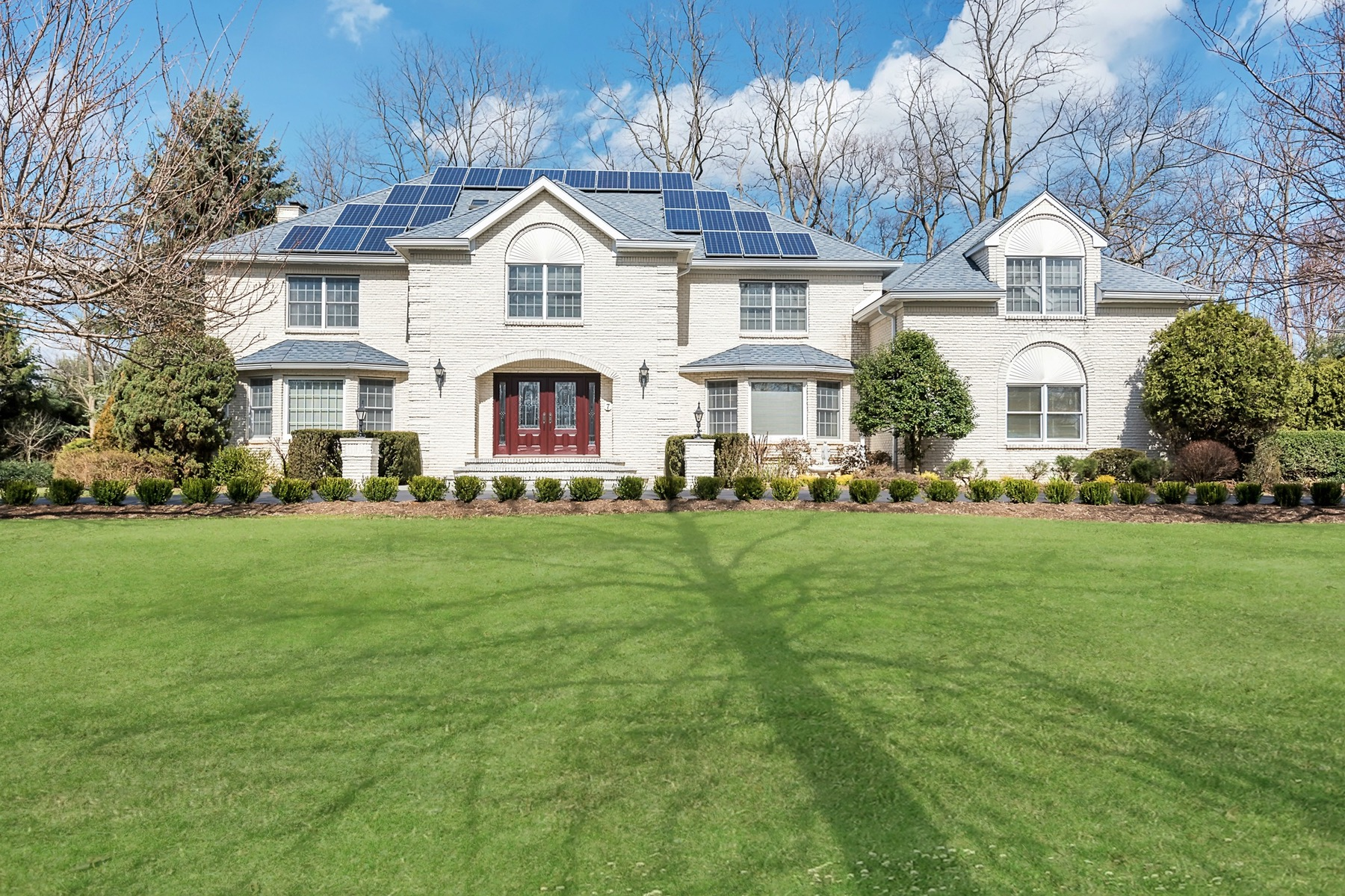 Single Family Home for Sale at Serenity Awaits in Prestigious Holmdel! 7 Cobblestone Court Holmdel, New Jersey 07733 United States