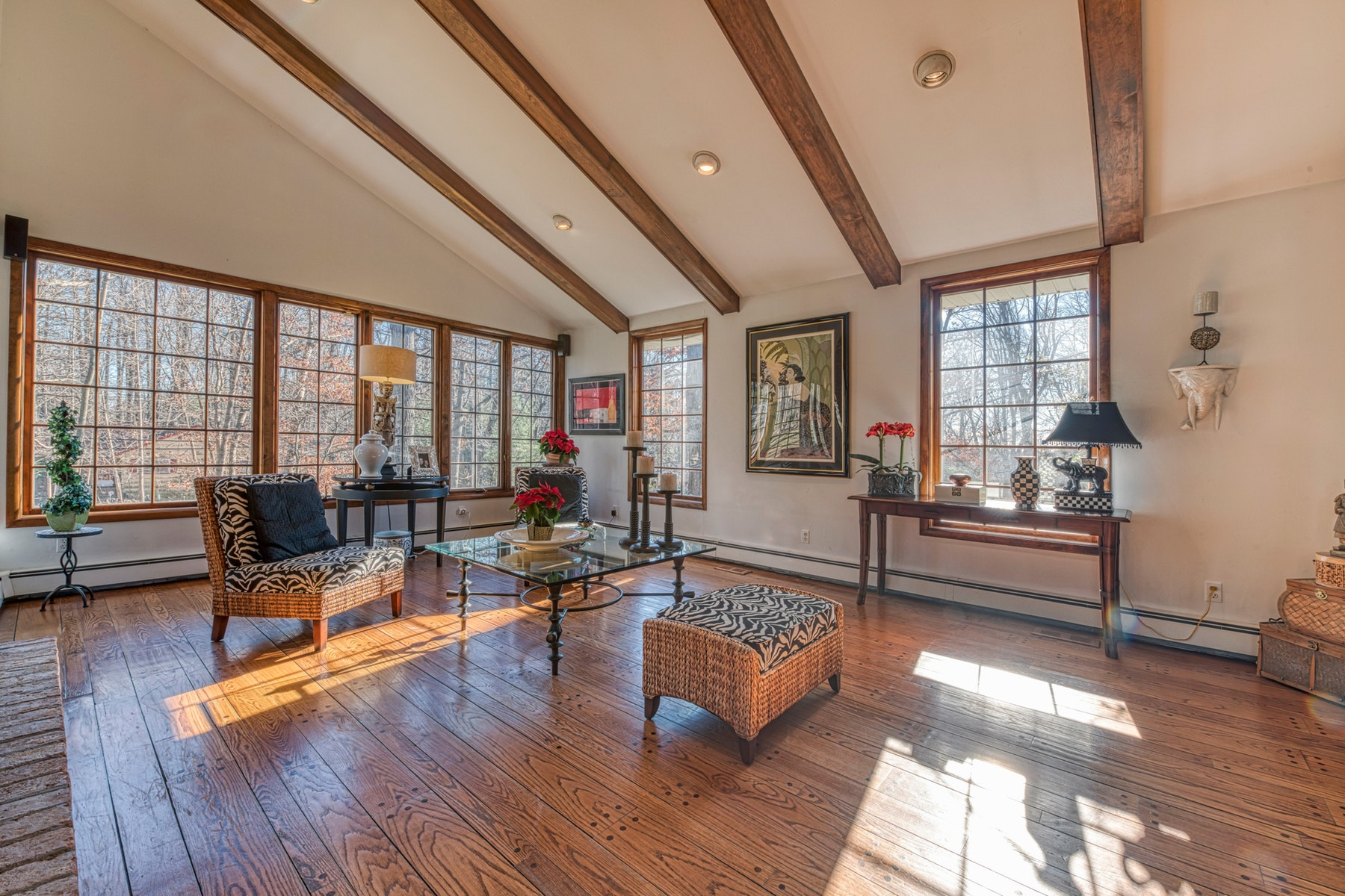 Single Family Homes for Sale at Decorator's Own ! 7 Sleepy Hollow Rd Upper Saddle River, New Jersey 07458 United States