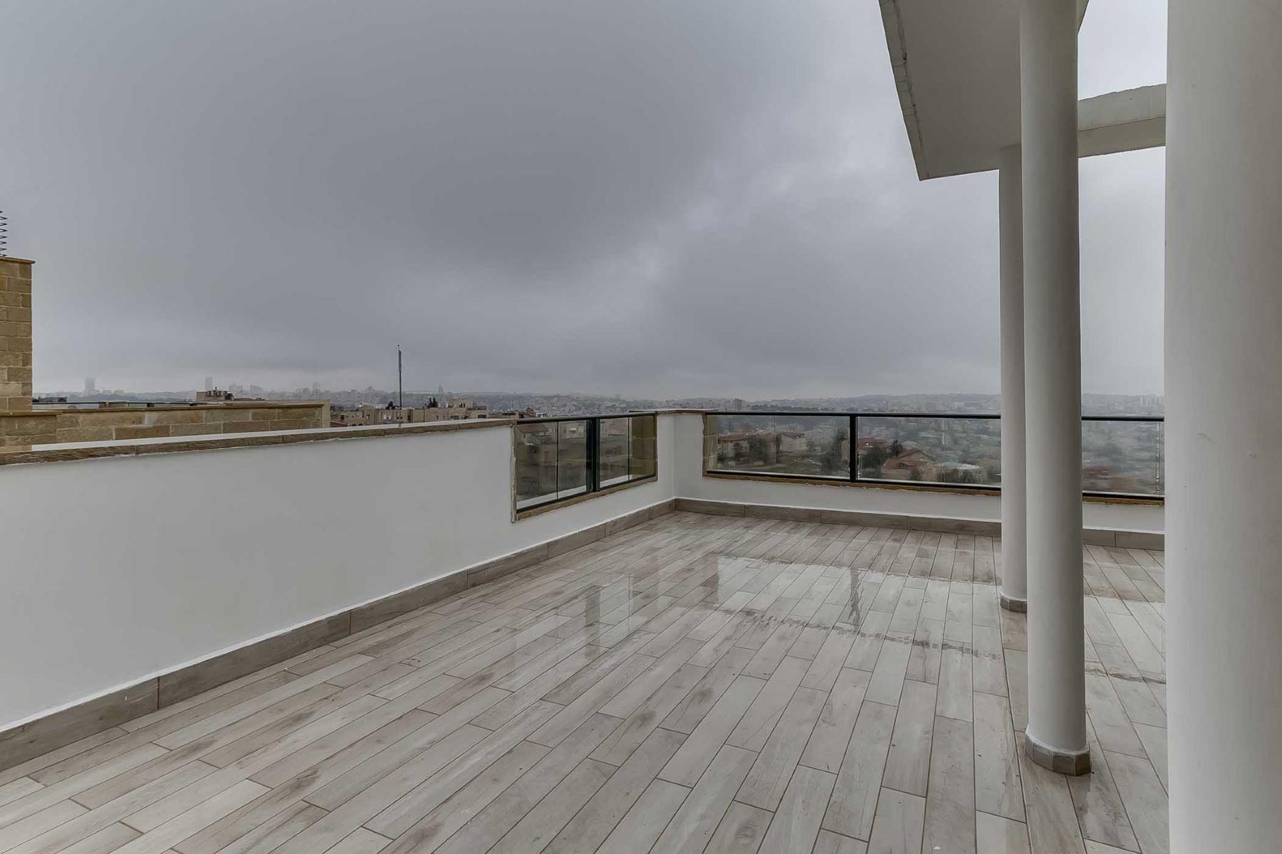 Additional photo for property listing at Elegant New Penthouse in Prime Location Jerusalem, Israel Israel
