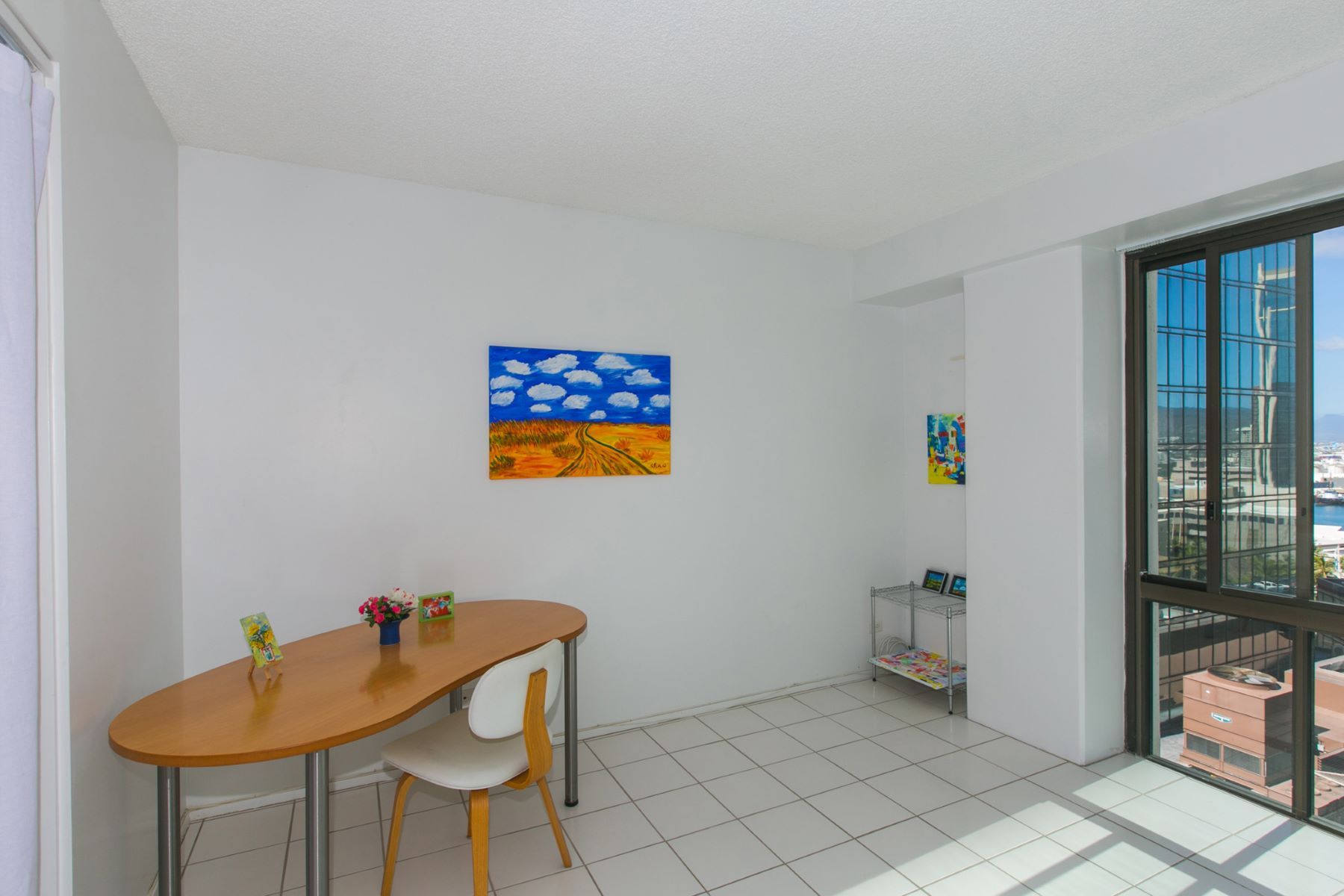Additional photo for property listing at Downtown Hideaway 225 Queen Street #17C Honolulu, Hawaii 96813 United States