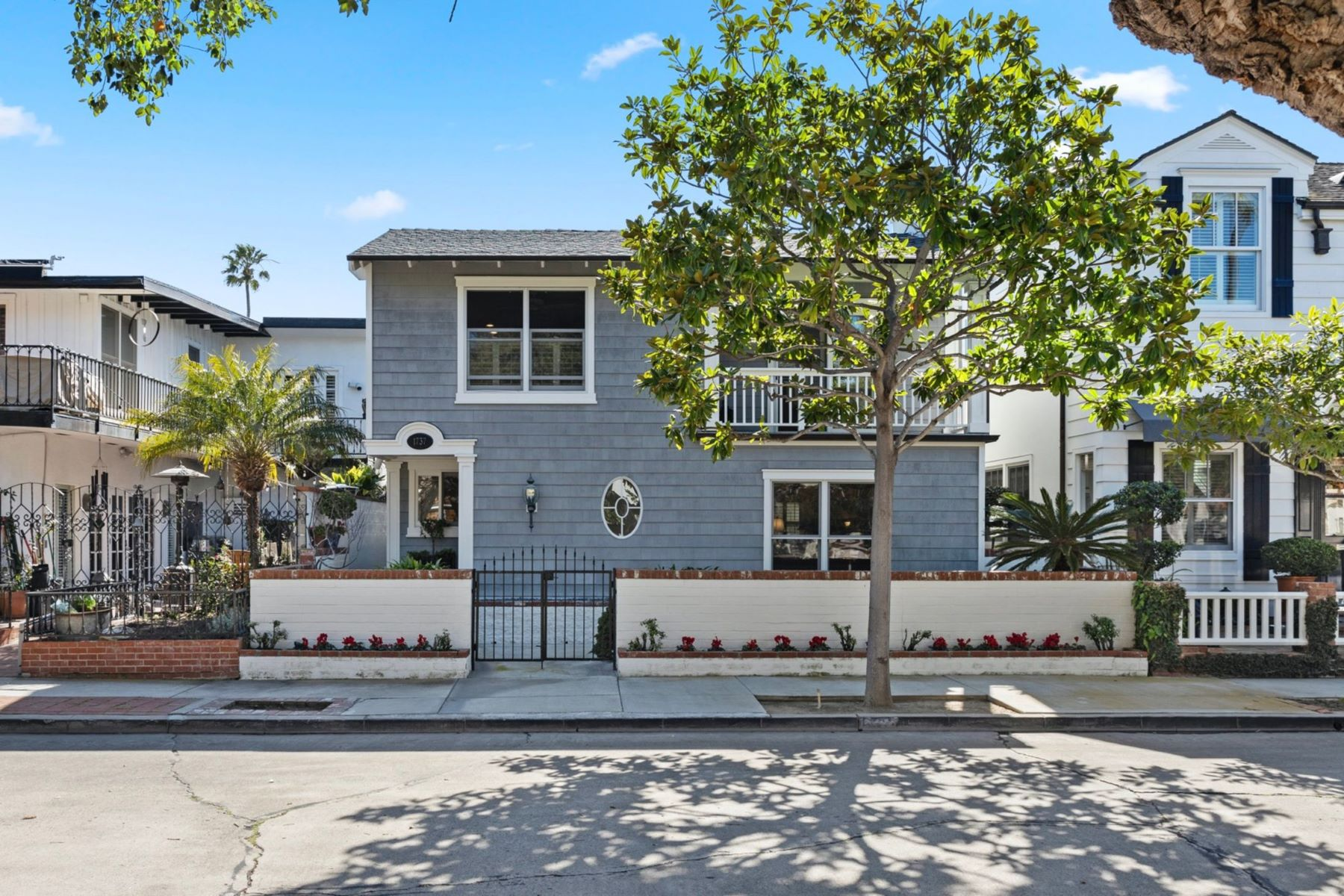 Single Family Homes for Active at 1737 Plaza Del Sur Newport Beach, California 92661 United States