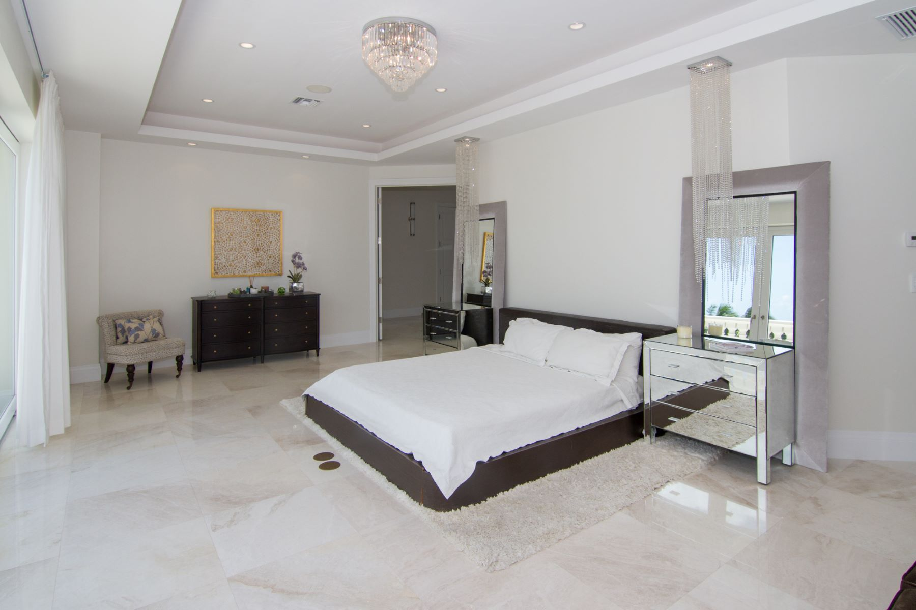 Additional photo for property listing at Mayfair By The Sea Britannia,  Cayman Islands