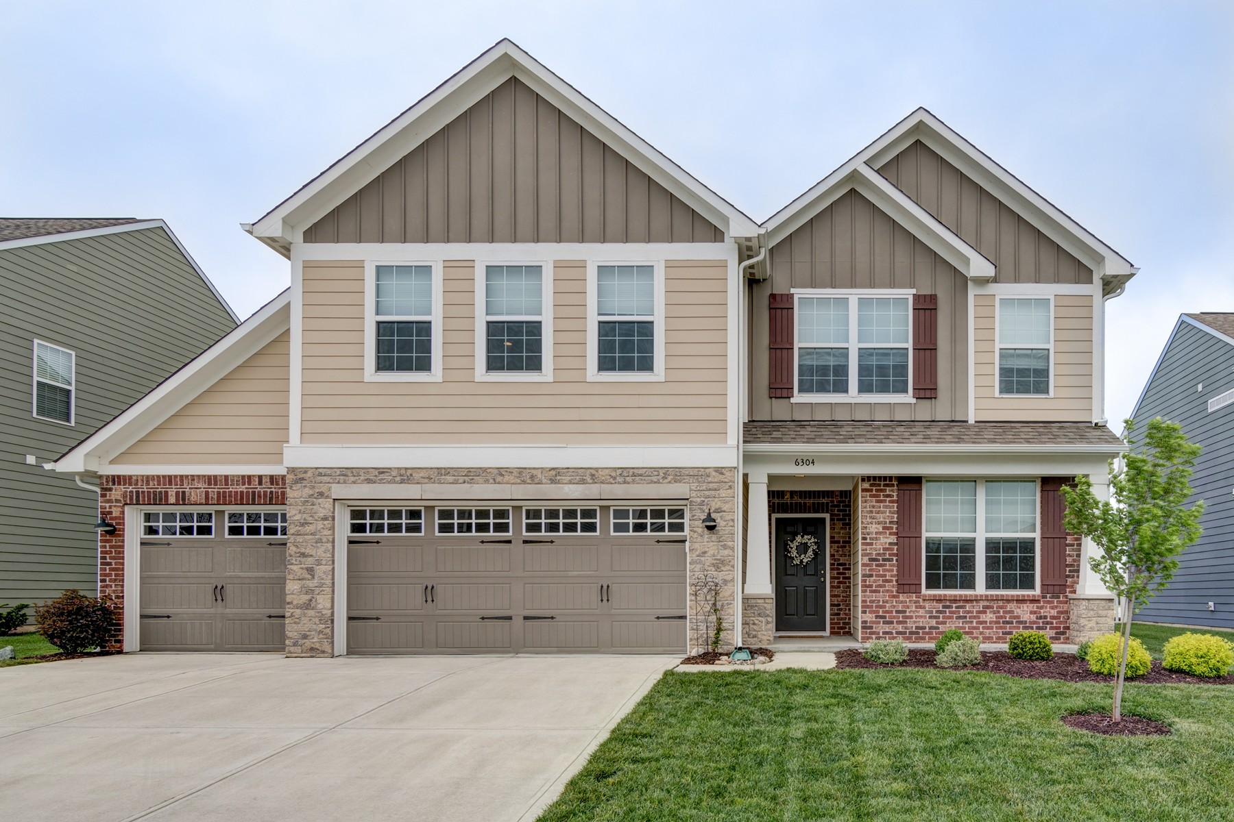Single Family Home for Sale at Delightful, Like New Home 6304 Meadowview Drive Whitestown, Indiana 46075 United States