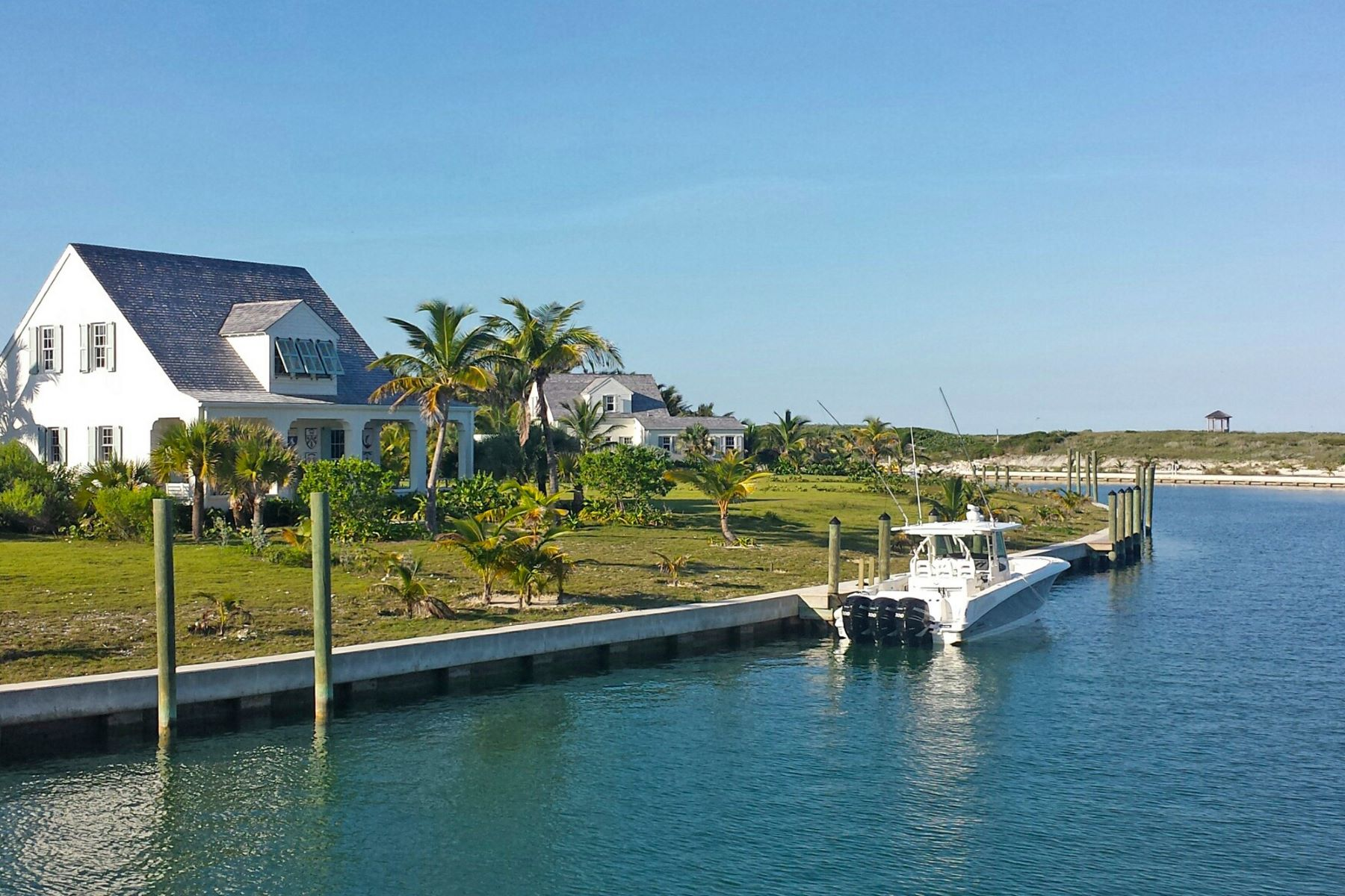 Single Family Home for Sale at Captain's Cottage, #2 Beach Road Schooner Bay, Abaco Bahamas
