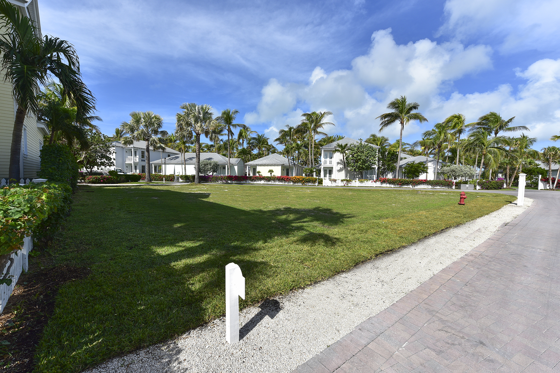 Land voor Verkoop een t Build Your Dream Home on a Private Island 60 Sunset Key Drive Key West, Florida 33040 Verenigde Staten