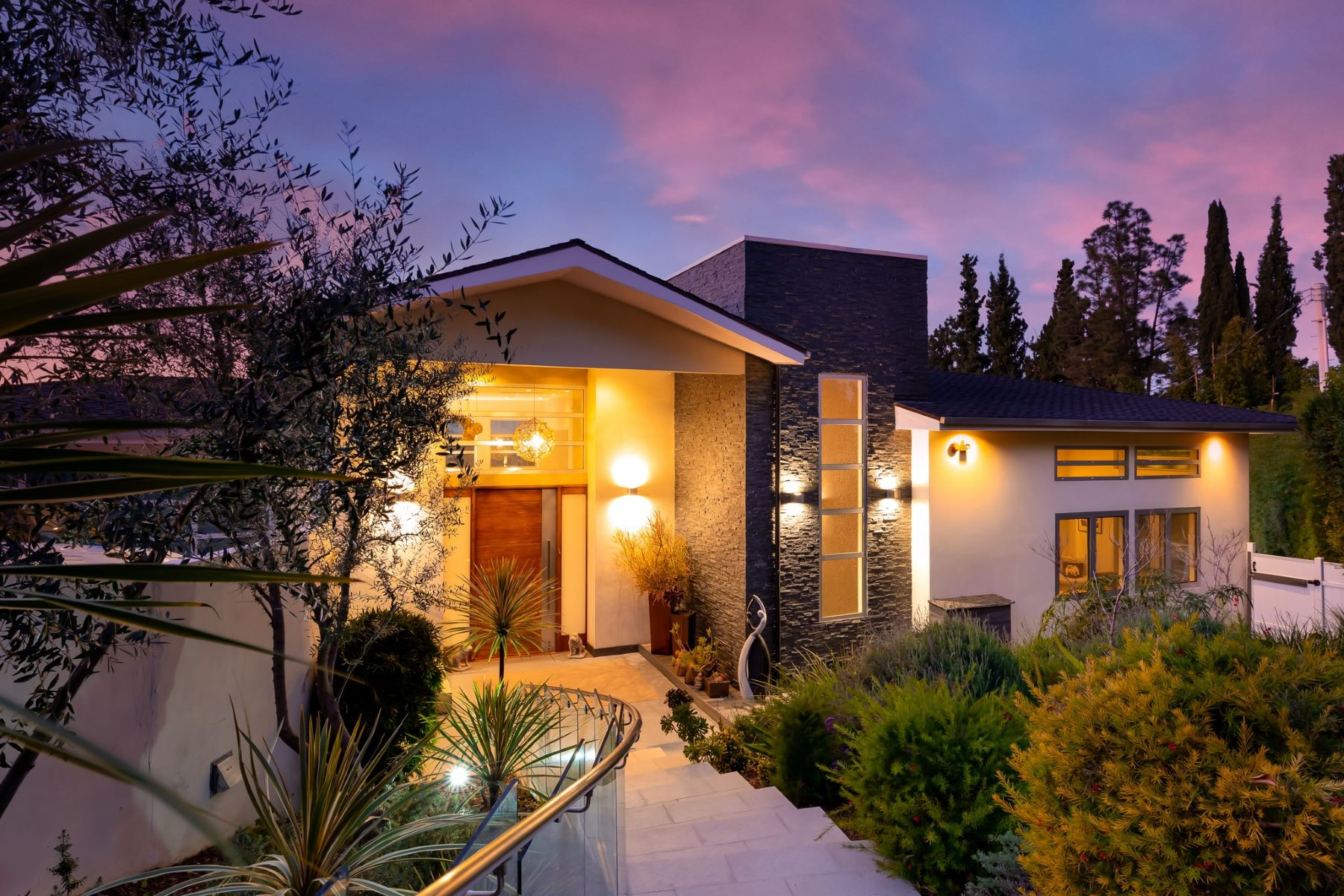 Single Family Homes for Sale at 3768 Berry Drive Studio City, California 91604 United States