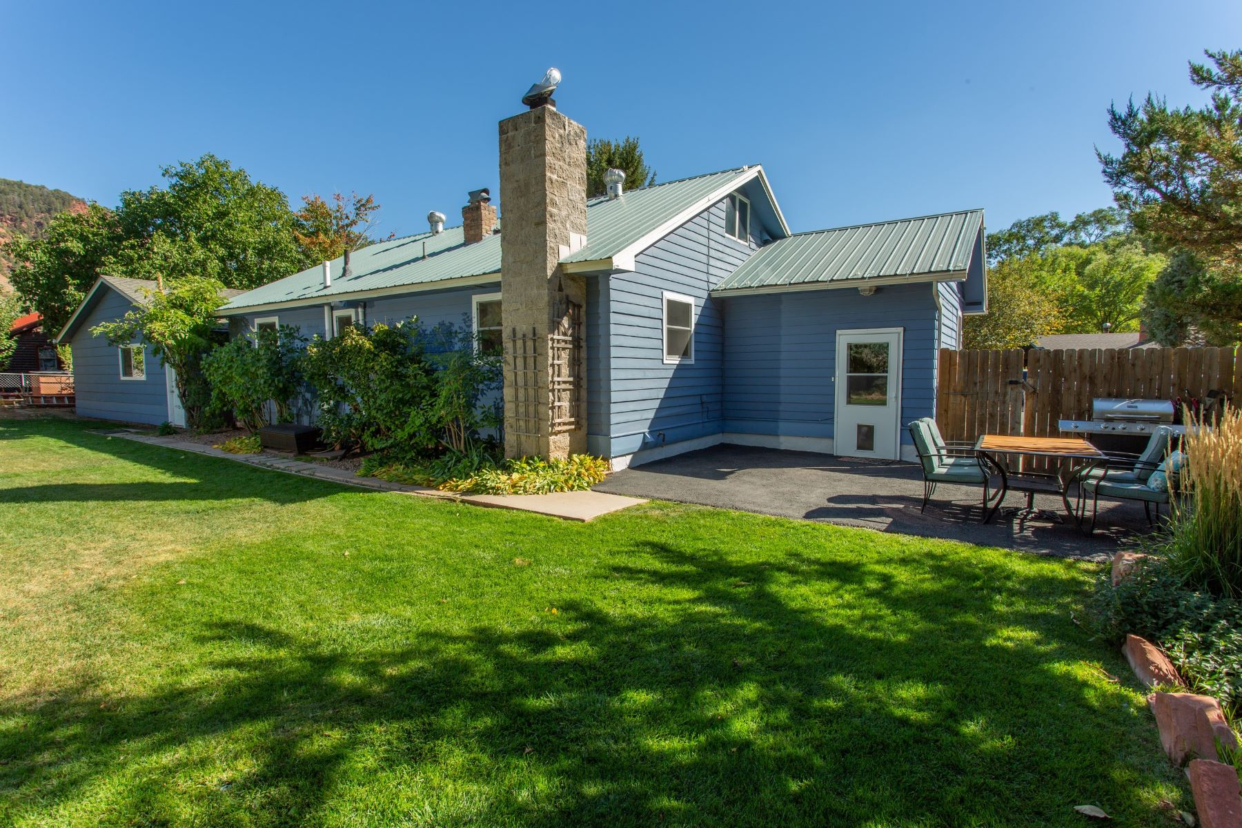 Single Family Home for Active at A hidden gem 413 32nd Street Glenwood Springs, Colorado 81601 United States