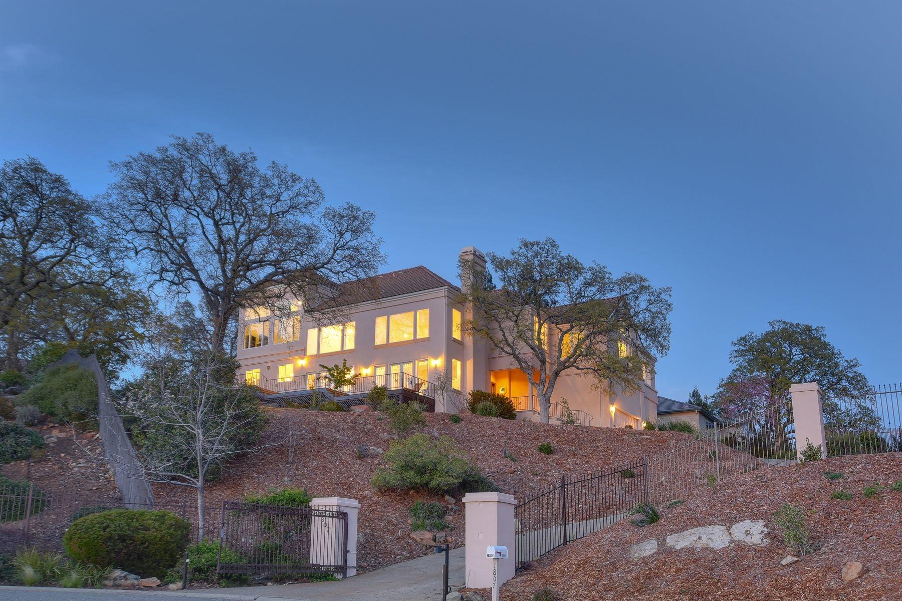 独户住宅 为 销售 在 Breathtaking views and amazing sunsets 1807 Barcelona Court El Dorado Hills, 加利福尼亚州 95762 美国