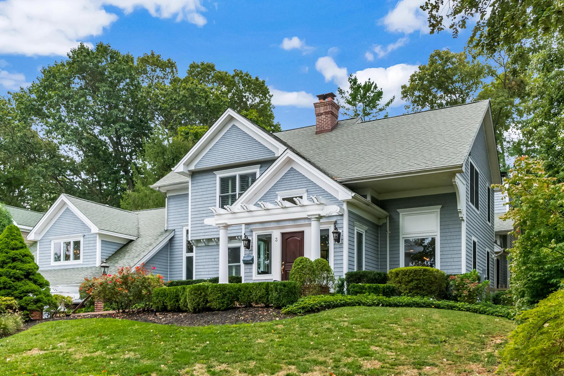 Single Family Homes por un Venta en Elevate Your Lifestyle 3 Oak Lane Rumson, Nueva Jersey 07760 Estados Unidos