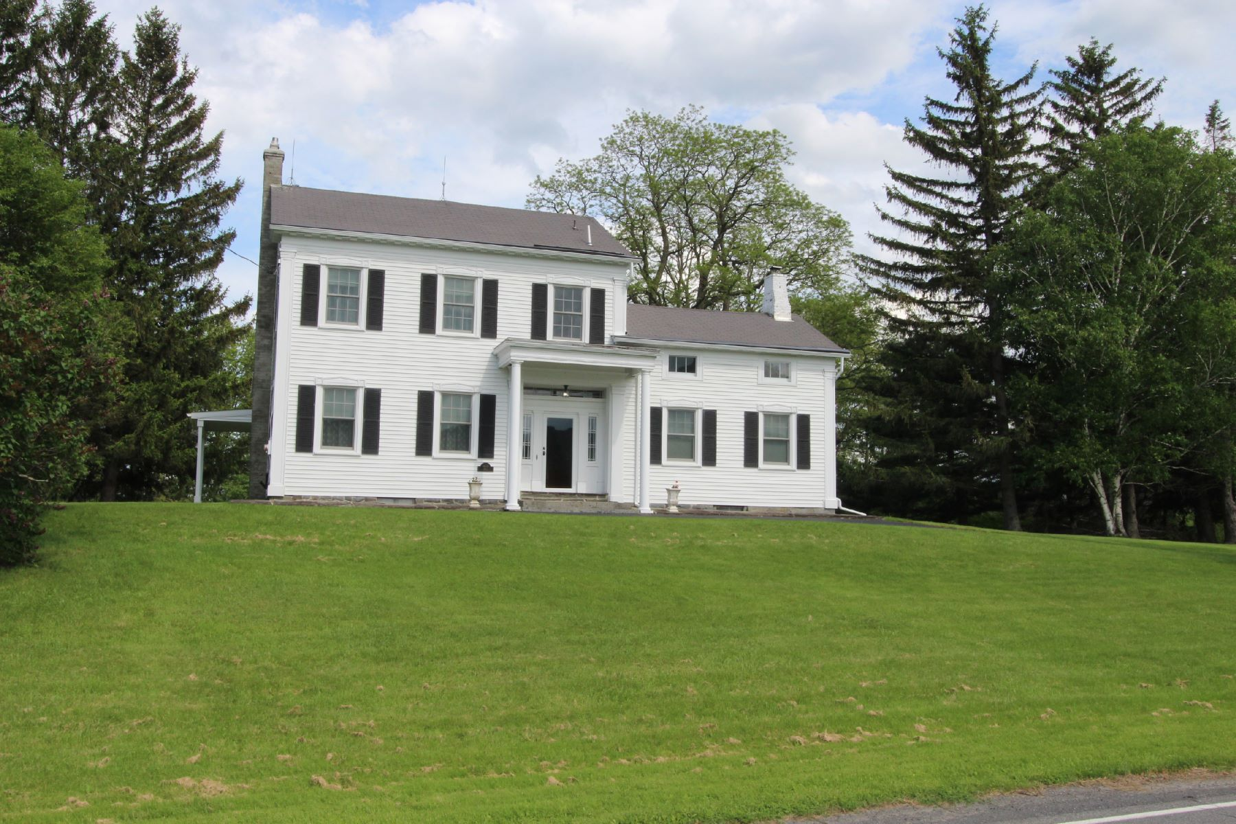 Single Family Homes for Active at Elegant Colonial w/ Views to Helderberg Escarpment 560 Meadowdale Rd Altamont, New York 12009 United States