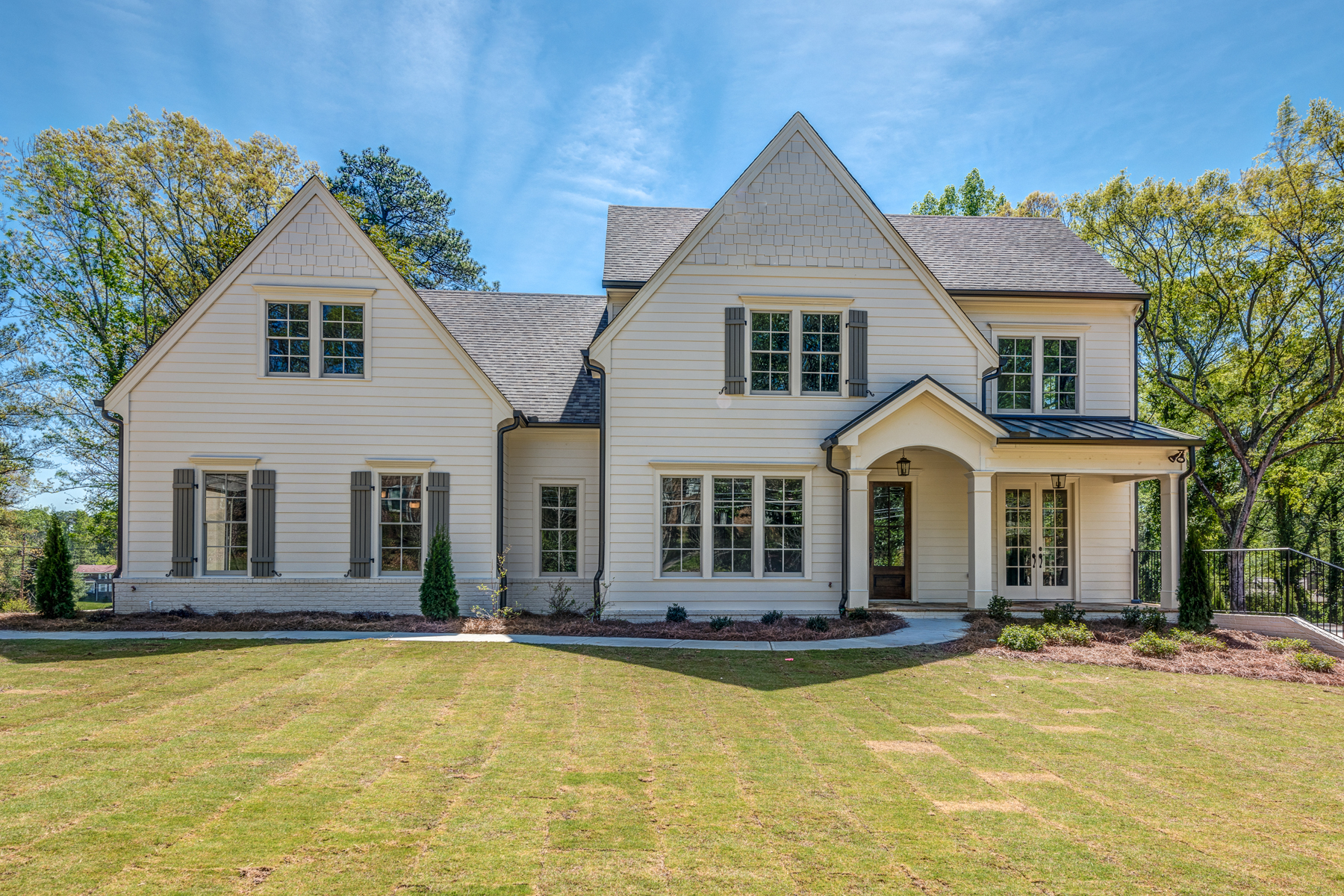 独户住宅 为 销售 在 Beautiful Harrison Designed New Construction 775 Sudbury Road 桑迪, 乔治亚州, 30328 美国