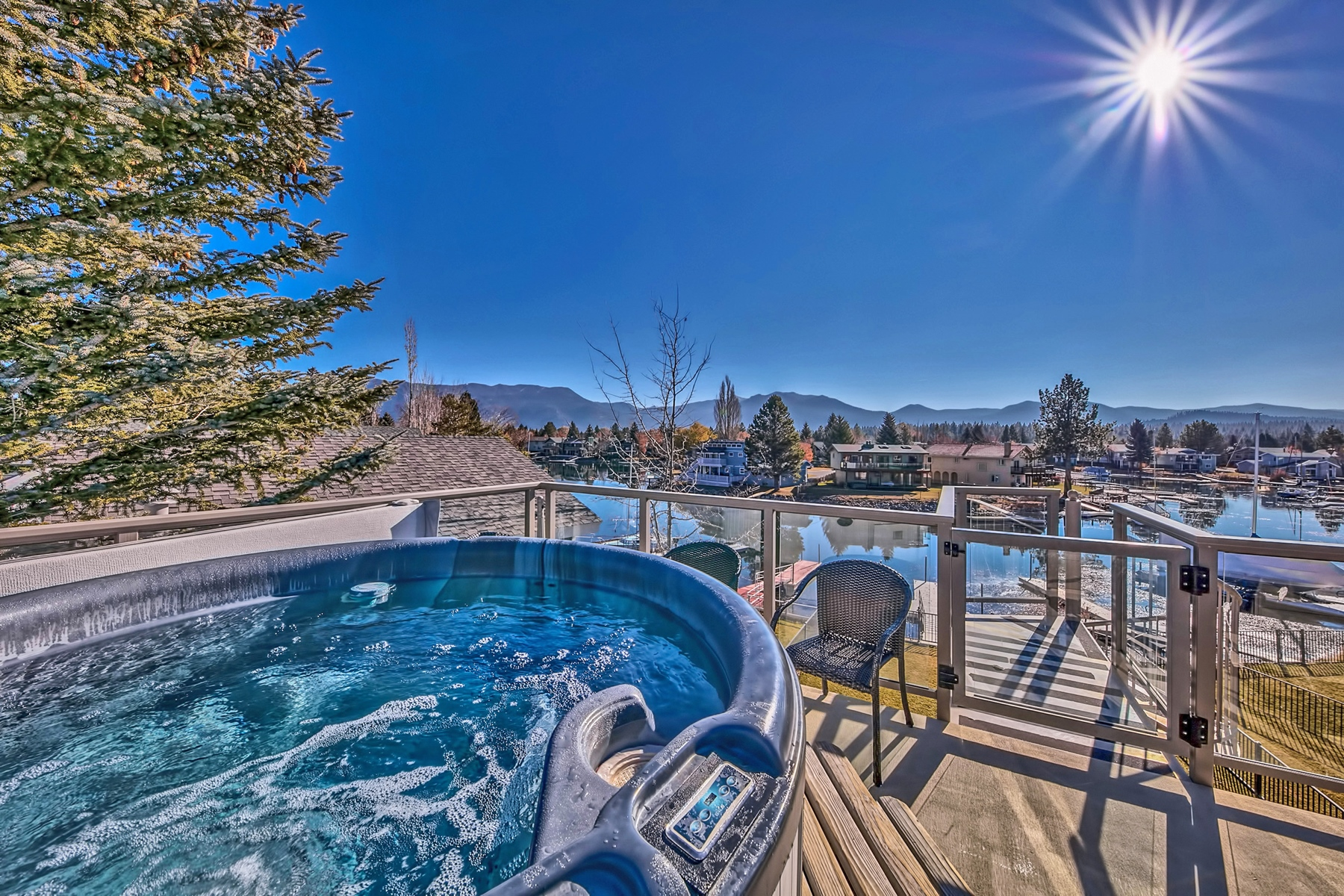 Additional photo for property listing at 1705 Venice Drive, South Lake Tahoe, Ca 96150 1705 Venice Drive South Lake Tahoe, California 96150 United States