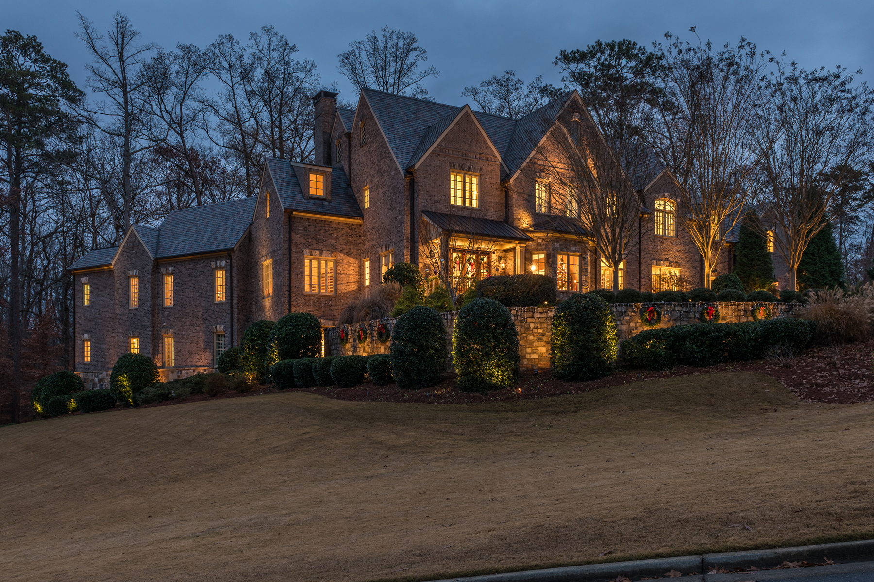 Maison unifamiliale pour l Vente à Exquisite Luxury Estate 4727 Polo Lane SE Atlanta, Georgia 30339 États-Unis