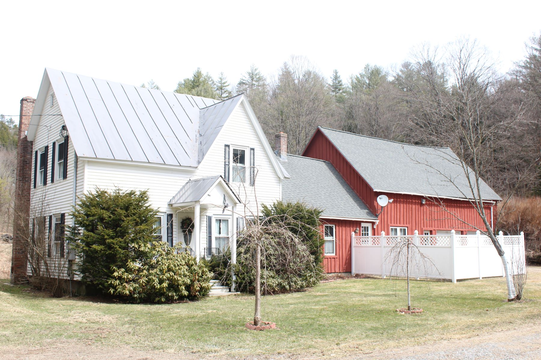 single family homes for Sale at 1324 Route 106, Reading 1324 Route 106 Reading, Vermont 05062 United States