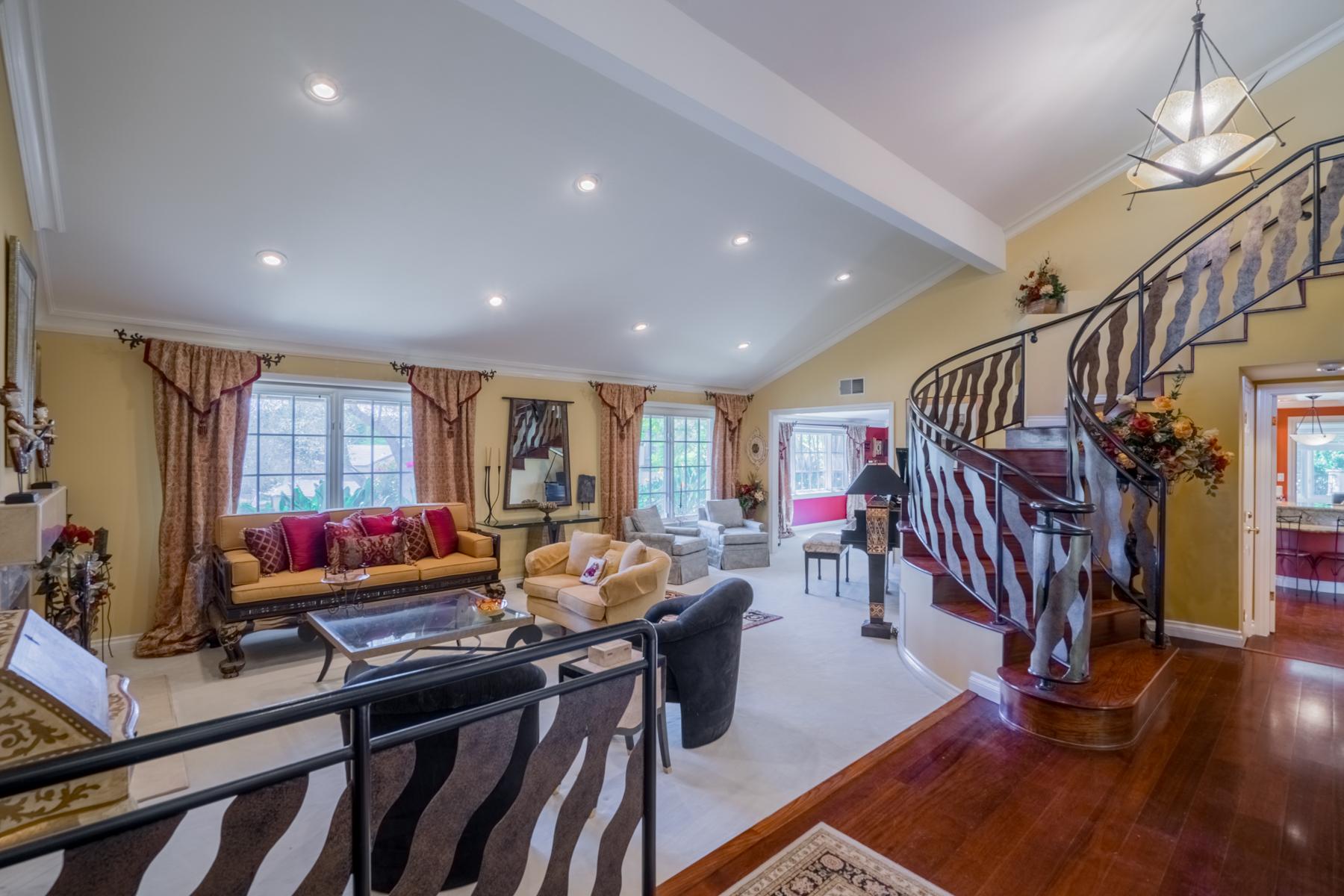 Single Family Home for Sale at 12376 Grandee 12376 Grandee Road Rancho Bernardo, San Diego, California, 92128 United States