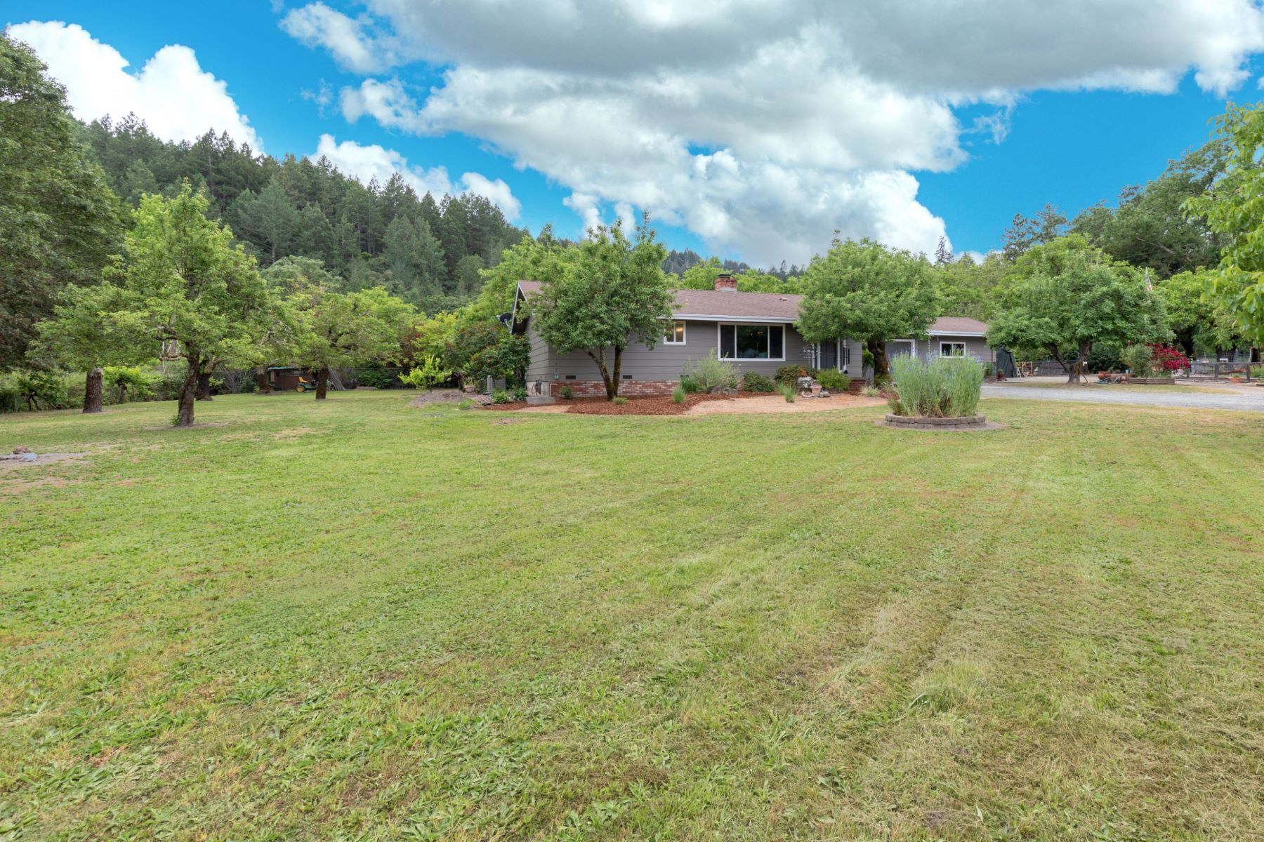 Single Family Homes for Sale at Calistoga Farmhouse on 1 Level Acre 4395 Scott Way Calistoga, California 94515 United States