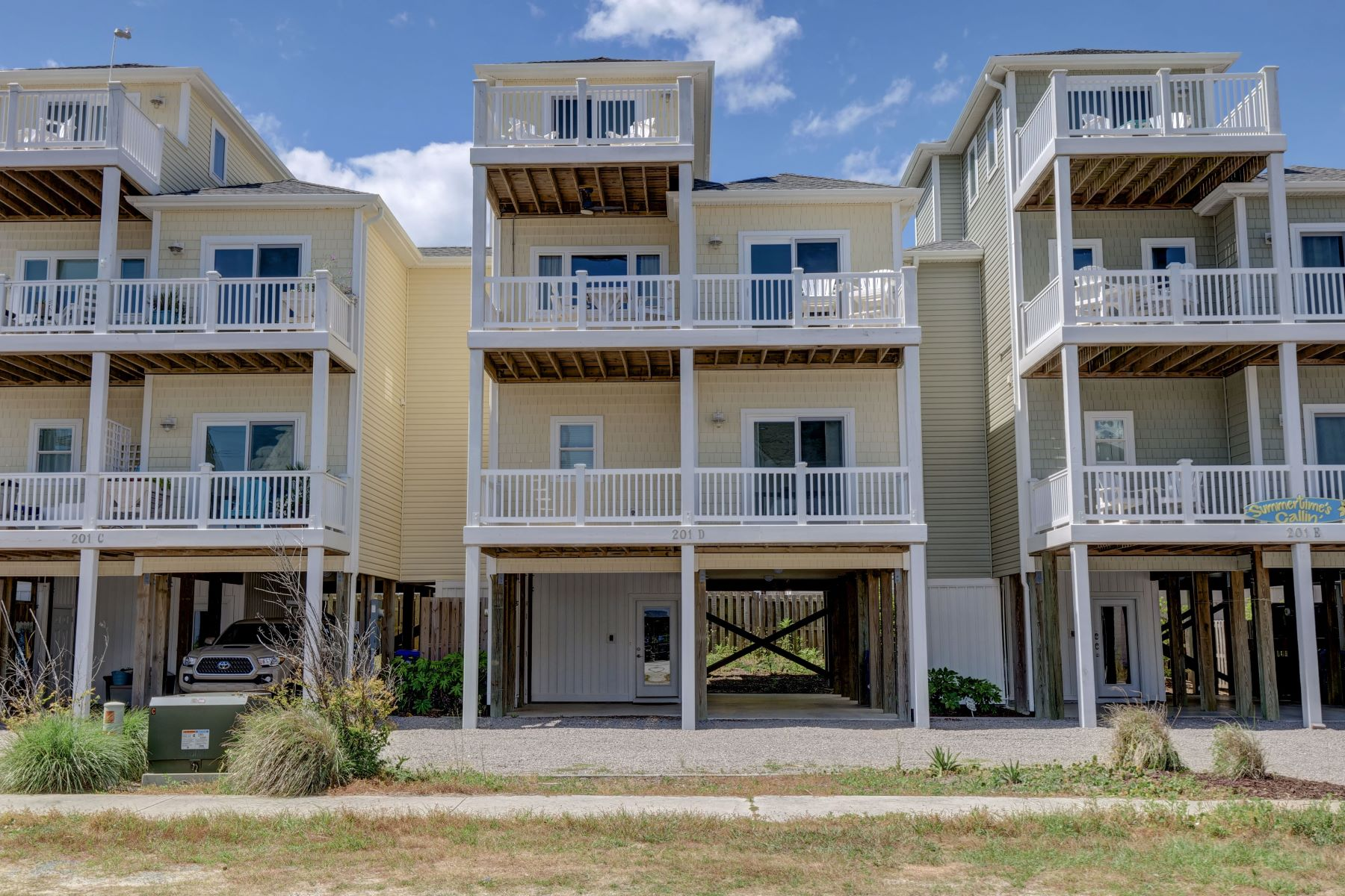 Townhouse for Active at Luxury Townhome with Ocean and Intracoastal Views 201 N Shore Drive D Surf City, North Carolina 28445 United States