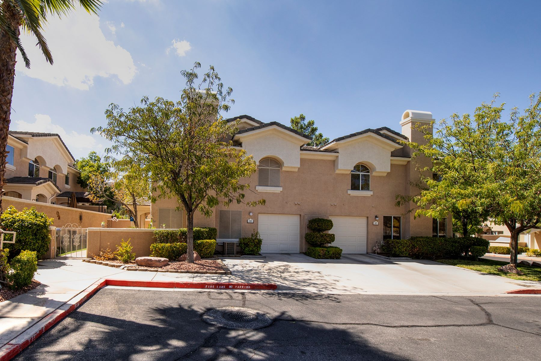 townhouses for Active at 509 Amber Sunset Street Henderson, Nevada 89015 United States