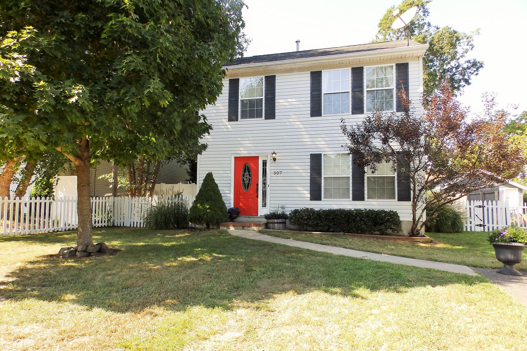 Single Family Homes for Sale at Meticulous Smart Home Equipped Colonial Style Home 507 Bay Boulevard Bayville, New Jersey 08721 United States