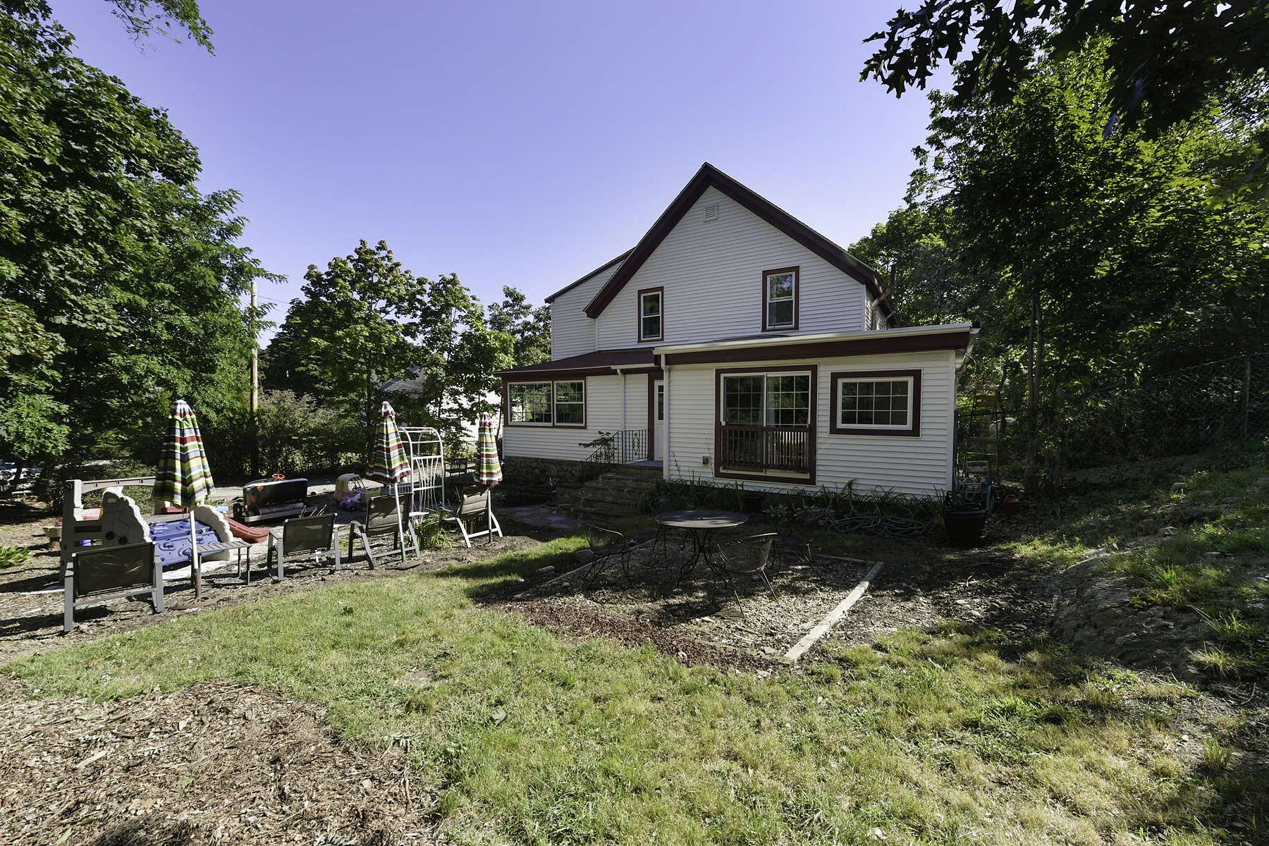 Single Family Homes 为 销售 在 35 Richards Rd 赫尔, 马萨诸塞州 02045 美国