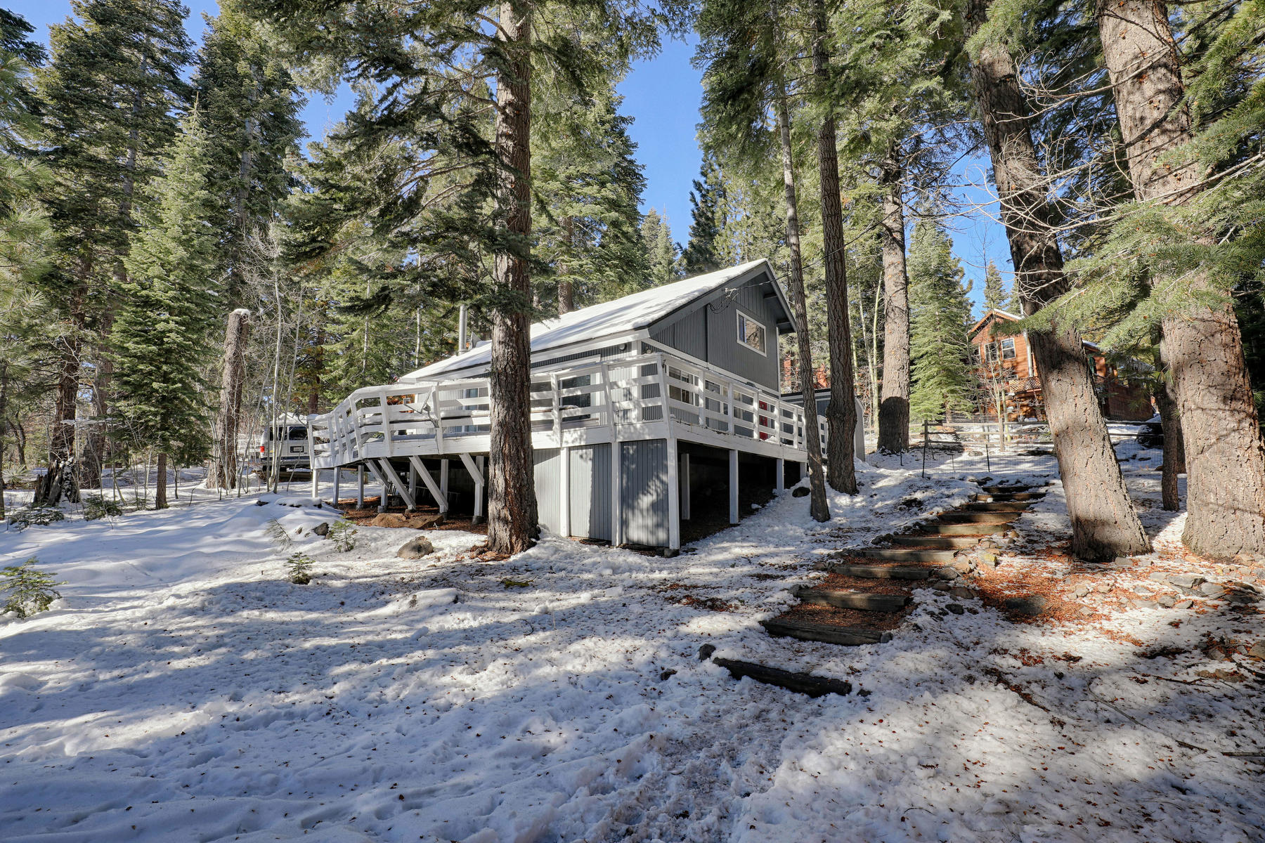 Additional photo for property listing at 11312 Silver Fir Drive, Truckee, CA 11312 Silver Fir Drive Truckee, California 96161 United States