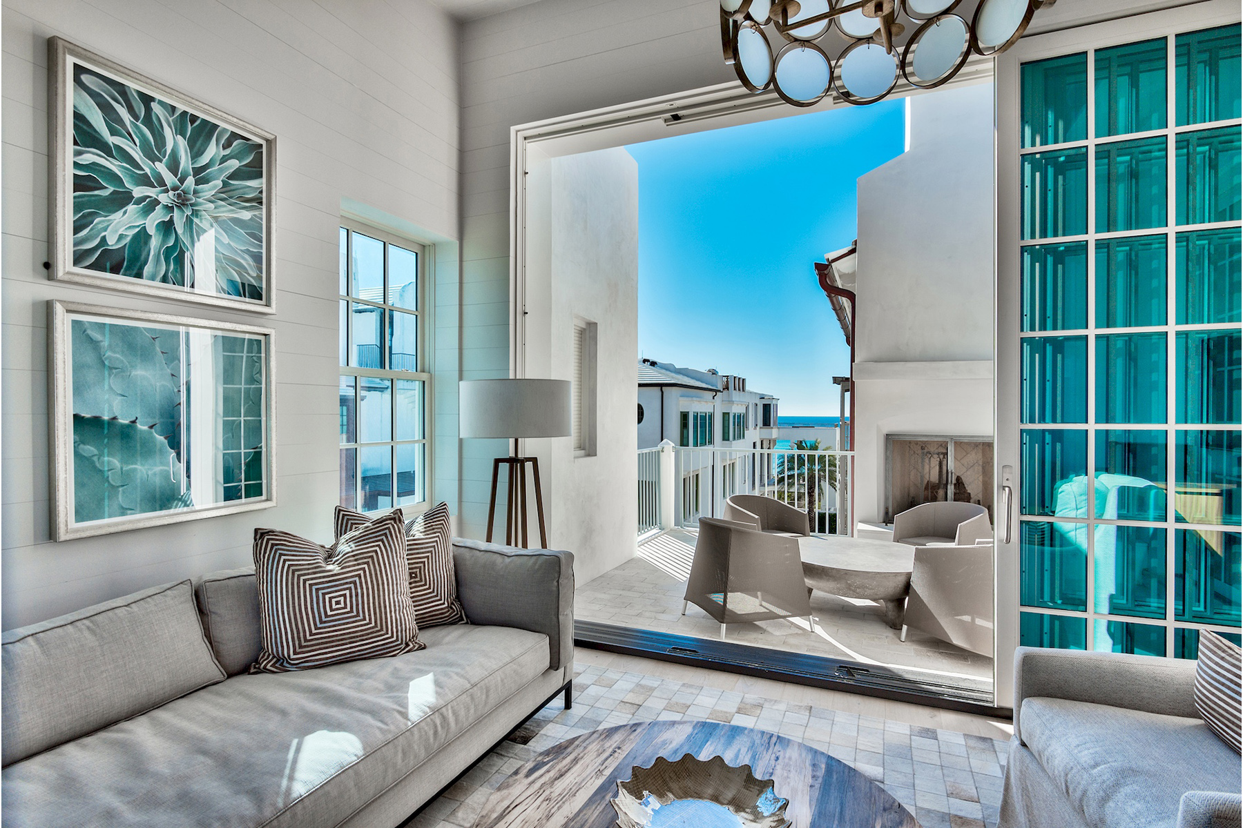 Additional photo for property listing at Uniquely Designed Modern Beach House with Exquisite Style 53 Sea Venture Alley Alys Beach, Florida 32461 United States